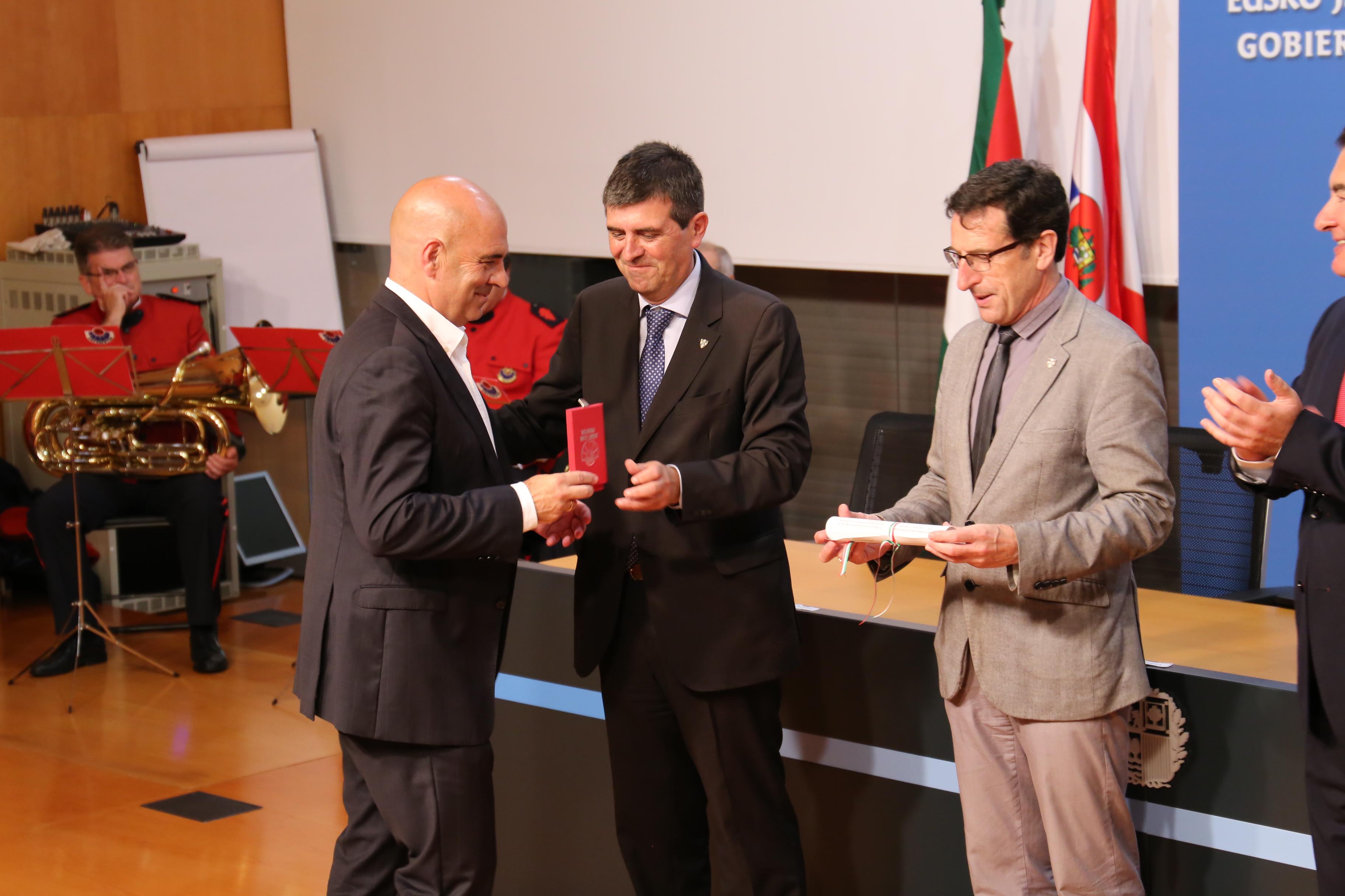 El Departamento de Seguridad concede dieciocho menciones honoríficas en el ámbito de la seguridad privada en Euskadi
