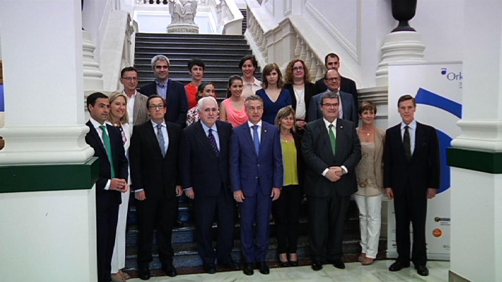 El Lehendakari aborda la situación competitiva de Euskadi en la conferencia organizada por Orkestra