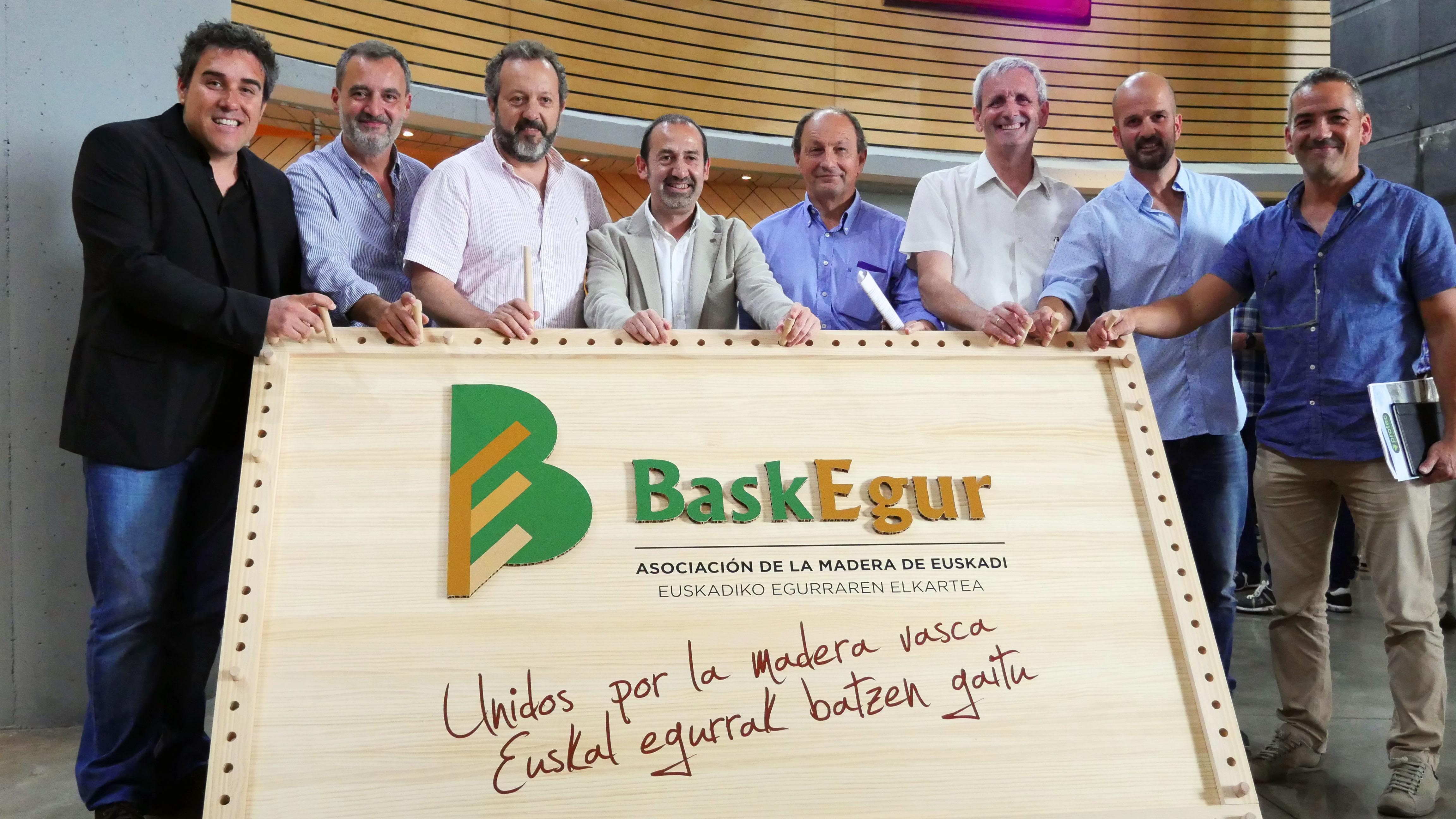 baskegur_03.jpg
