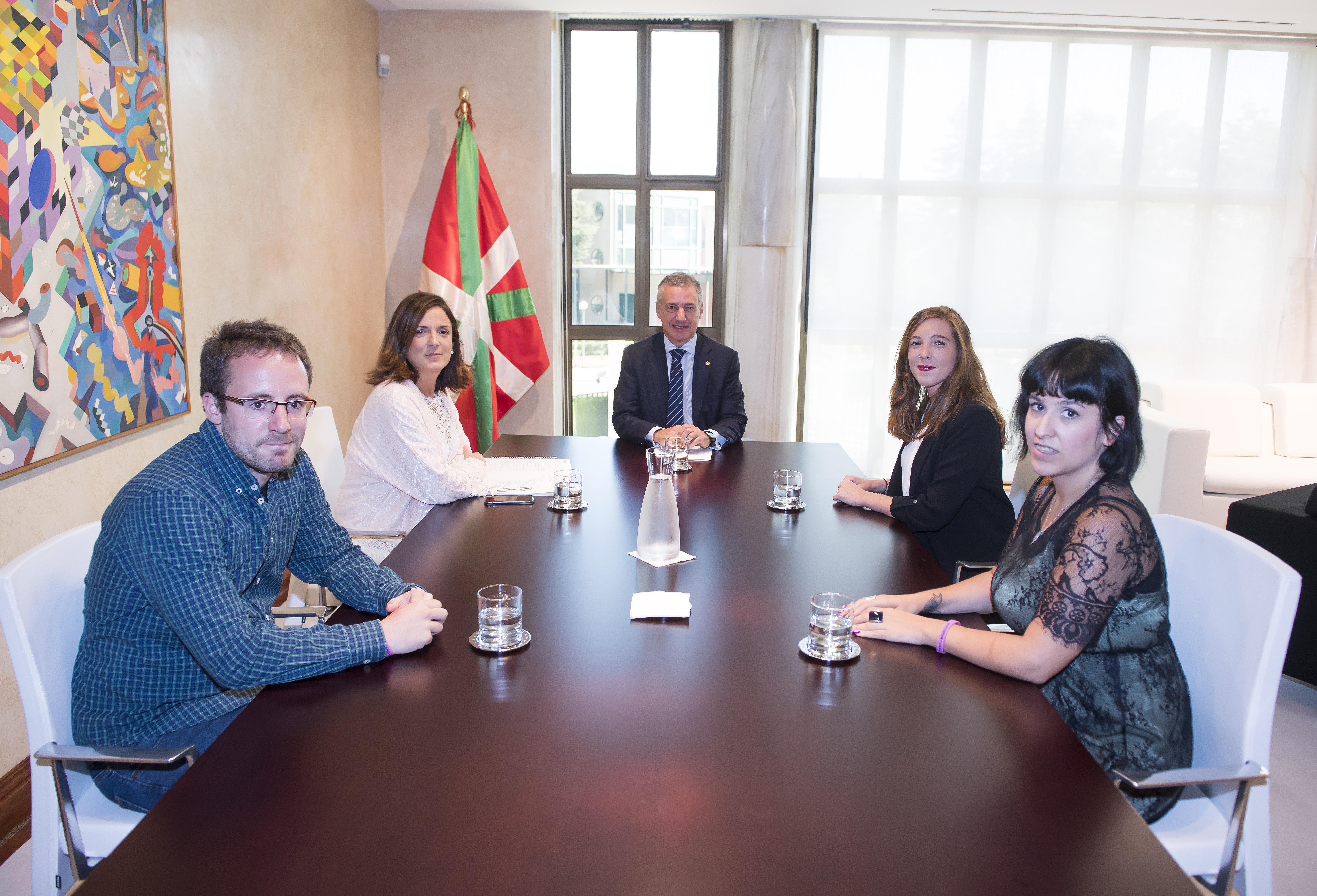 Lehendakariak Euskadiko Gazteriaren Kontseiluaren arduradunak hartu ditu