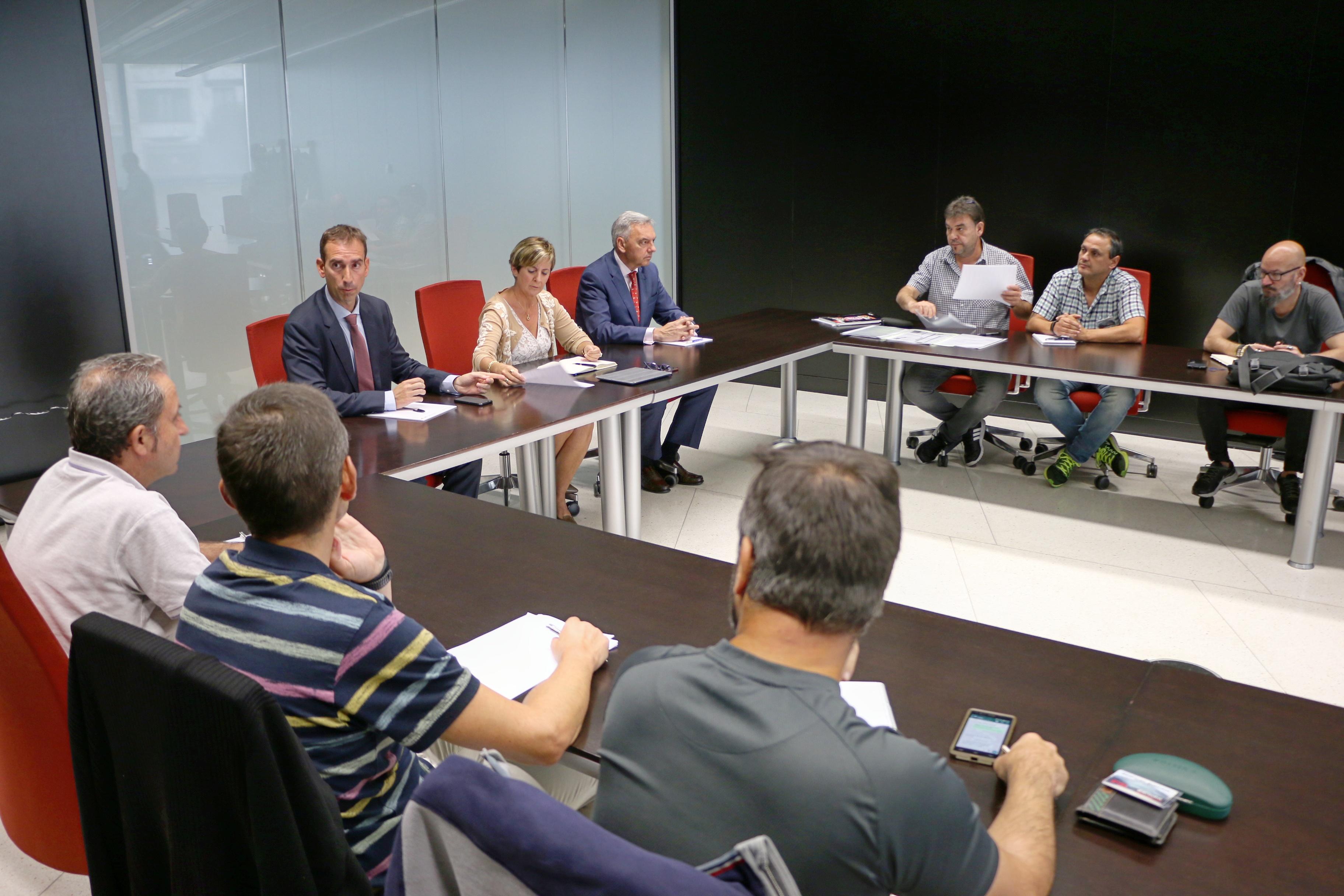 El Gobierno Vasco ofrece su colaboración al comité de empresa de La Naval