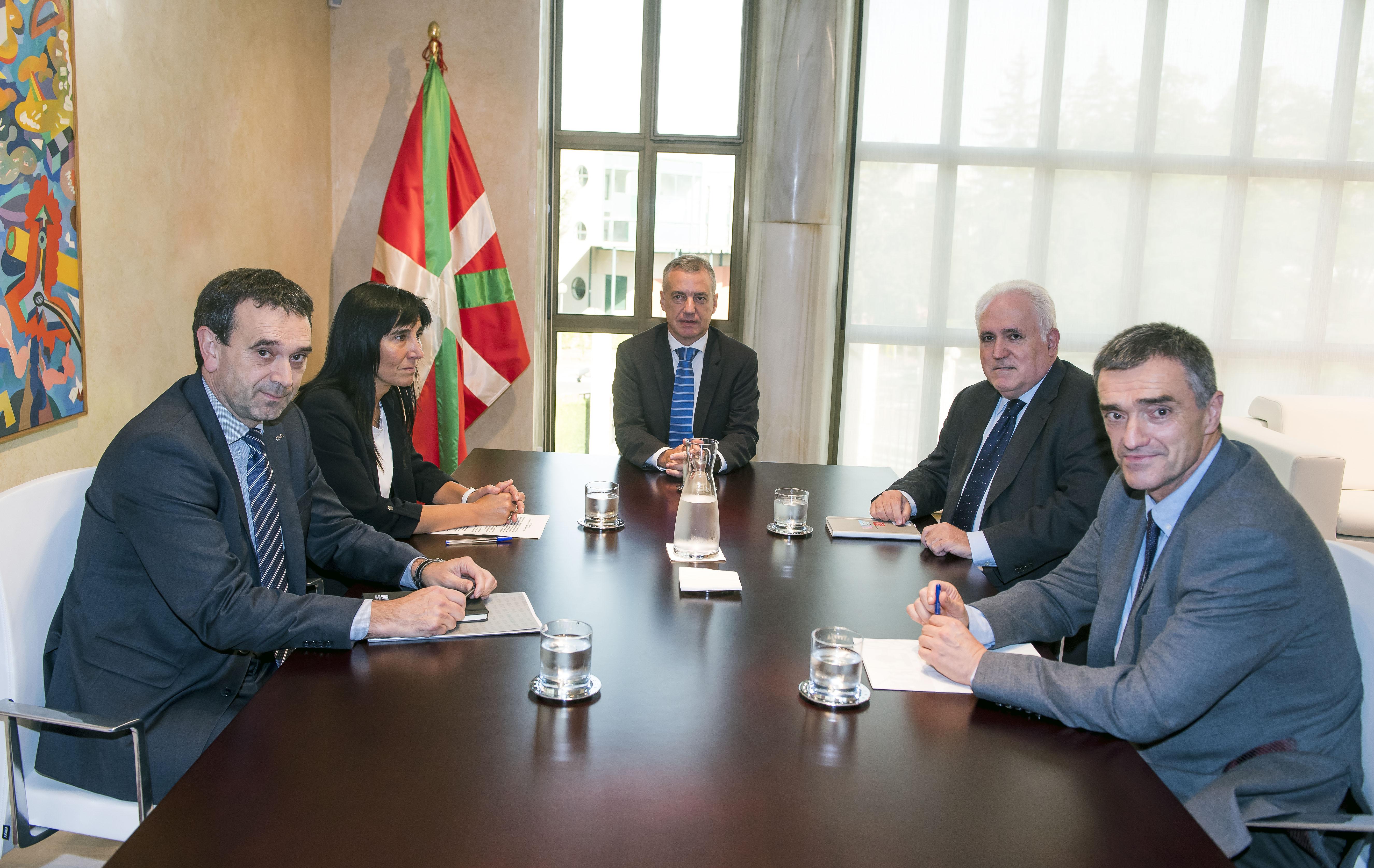 Euskadiko unibertsitateek berritu egin dute Eusko Jaurlaritzarekin bizikidetzaren eta giza eskubideen arloan zuten konpromisoa legealdi honetarako