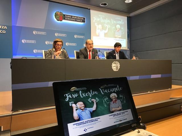 El consejero Darpón presenta la campaña de vacunación antigripal 2017