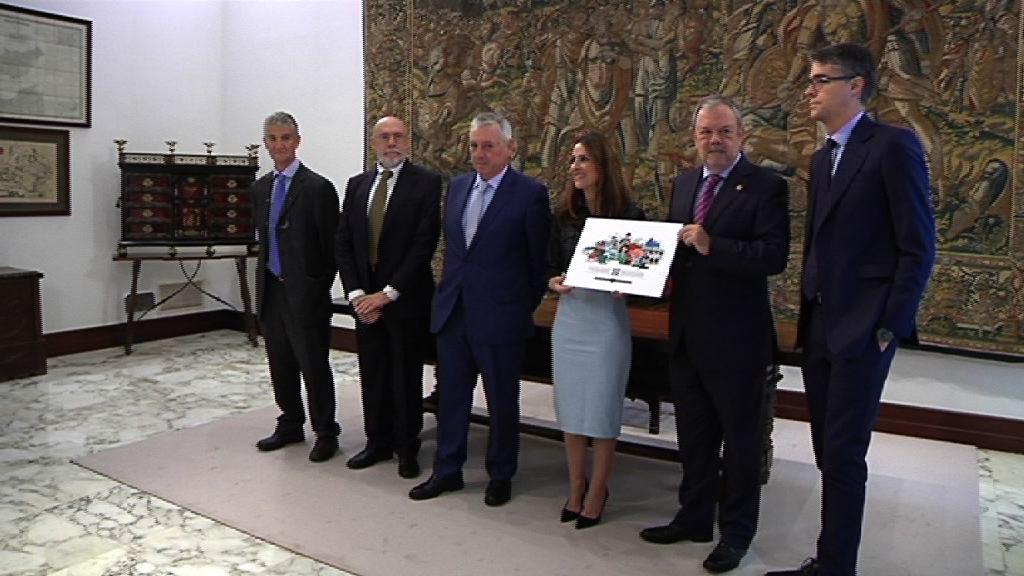 Azpiazu sailburuak 2018 ekitaldirako Aurrekontuen Lege-proiektua entregatu dio Legebiltzarreko presidenteari