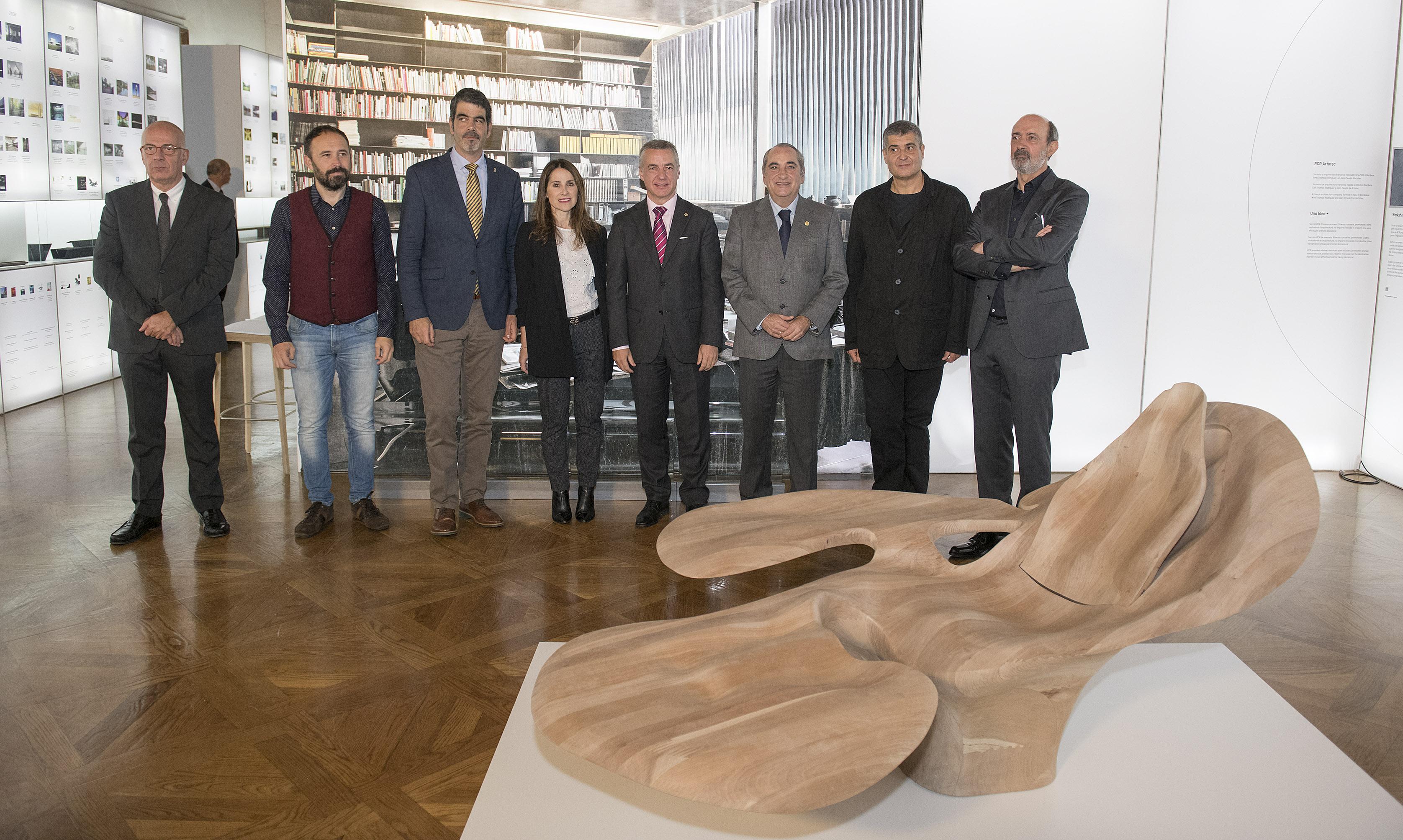 El Lehendakari inaugura la I Bienal Internacional de Arquitectura de Euskadi