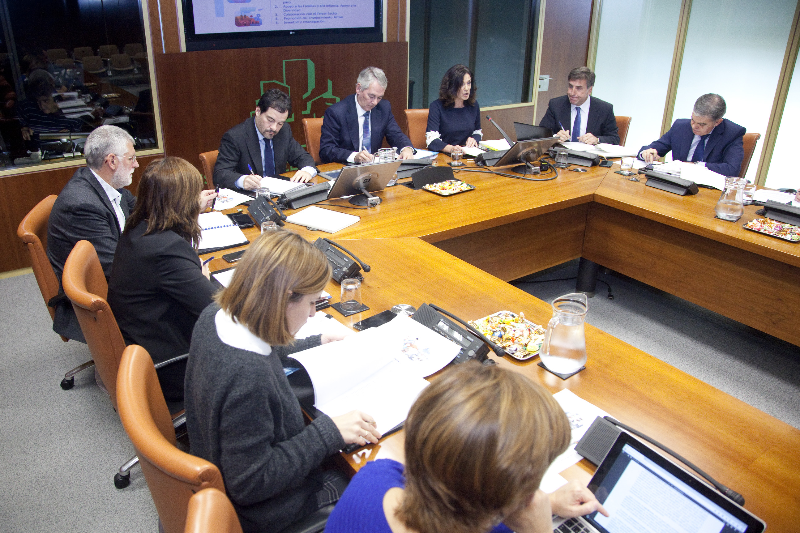 Minister Beatriz Artolazabal presents a budget project of 1,005.6 million euros focused on employment, family, social cohesion, elderly and youth