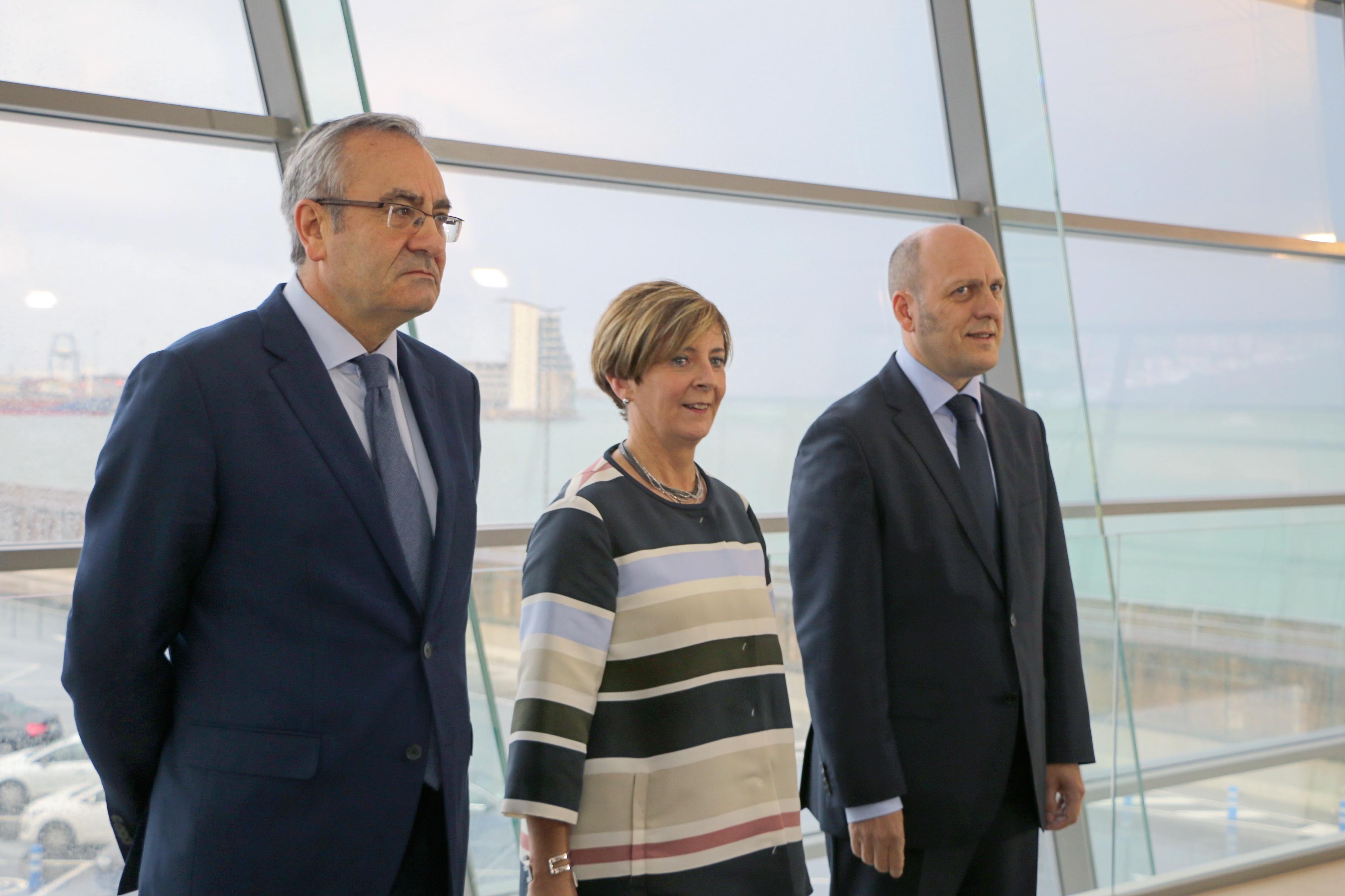 La consejera Tapia asiste a la presentación del Plan Estratégico del Puerto de Bilbao
