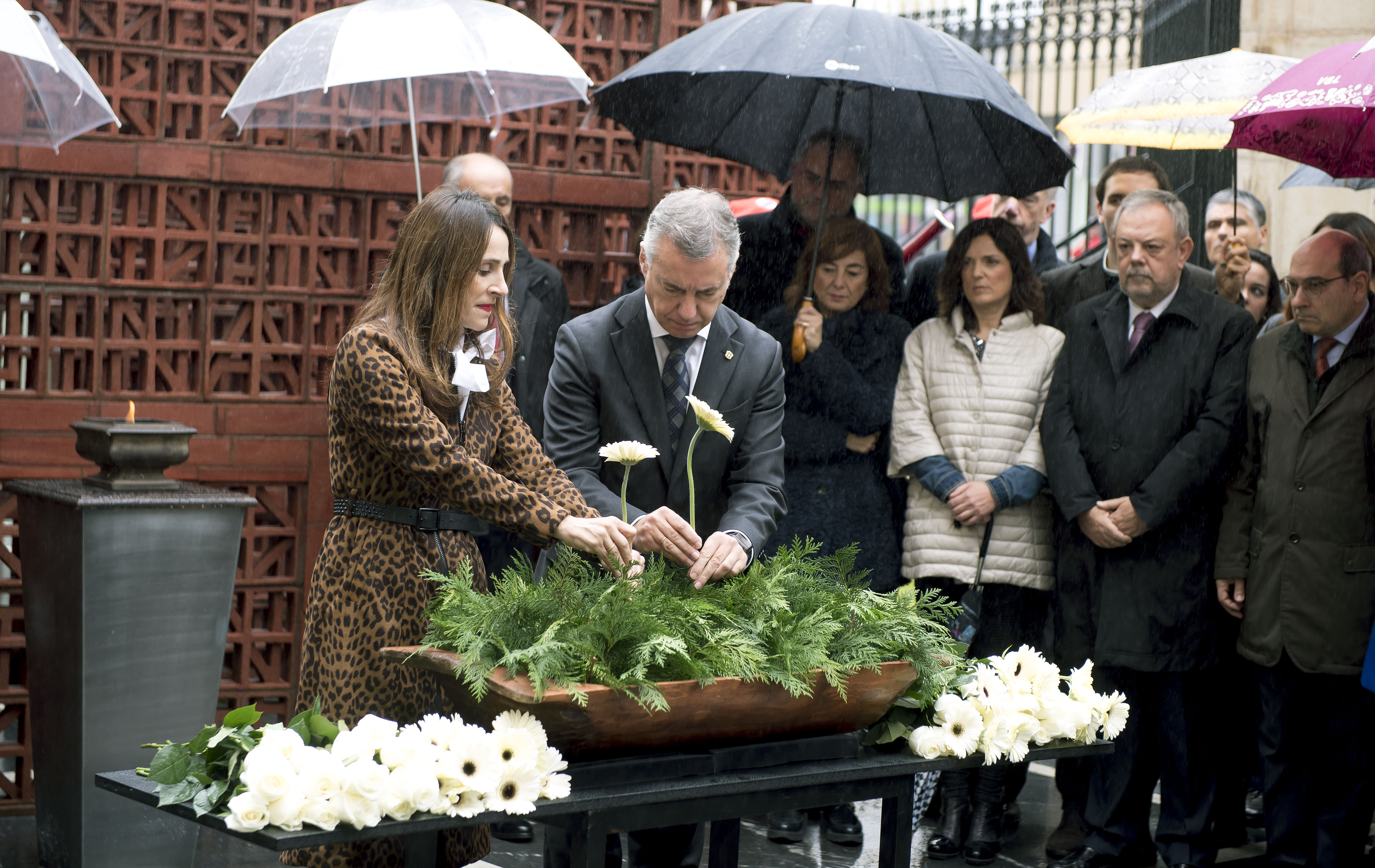 Eusko Jaurlaritzak Memoriaren Eguna dela eta Legebiltzarrak antolatu duen ekitaldian parte hartu du
