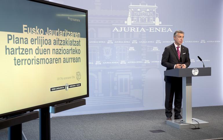 Lehendakariak Eusko Jaurlaritzaren Jarduera Plana erlijioa aitzakiatzat hartzen duen nazioarteko terrorismoaren aurrean aurkeztu du