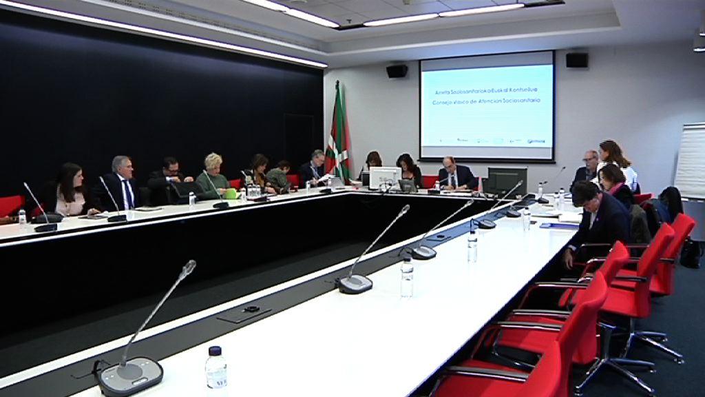 El pleno del Consejo Vasco de Atención Sociosanitaria ha aprobado hoy las Prioridades Estratégicas en Atención Sociosanitaria 2017-2020