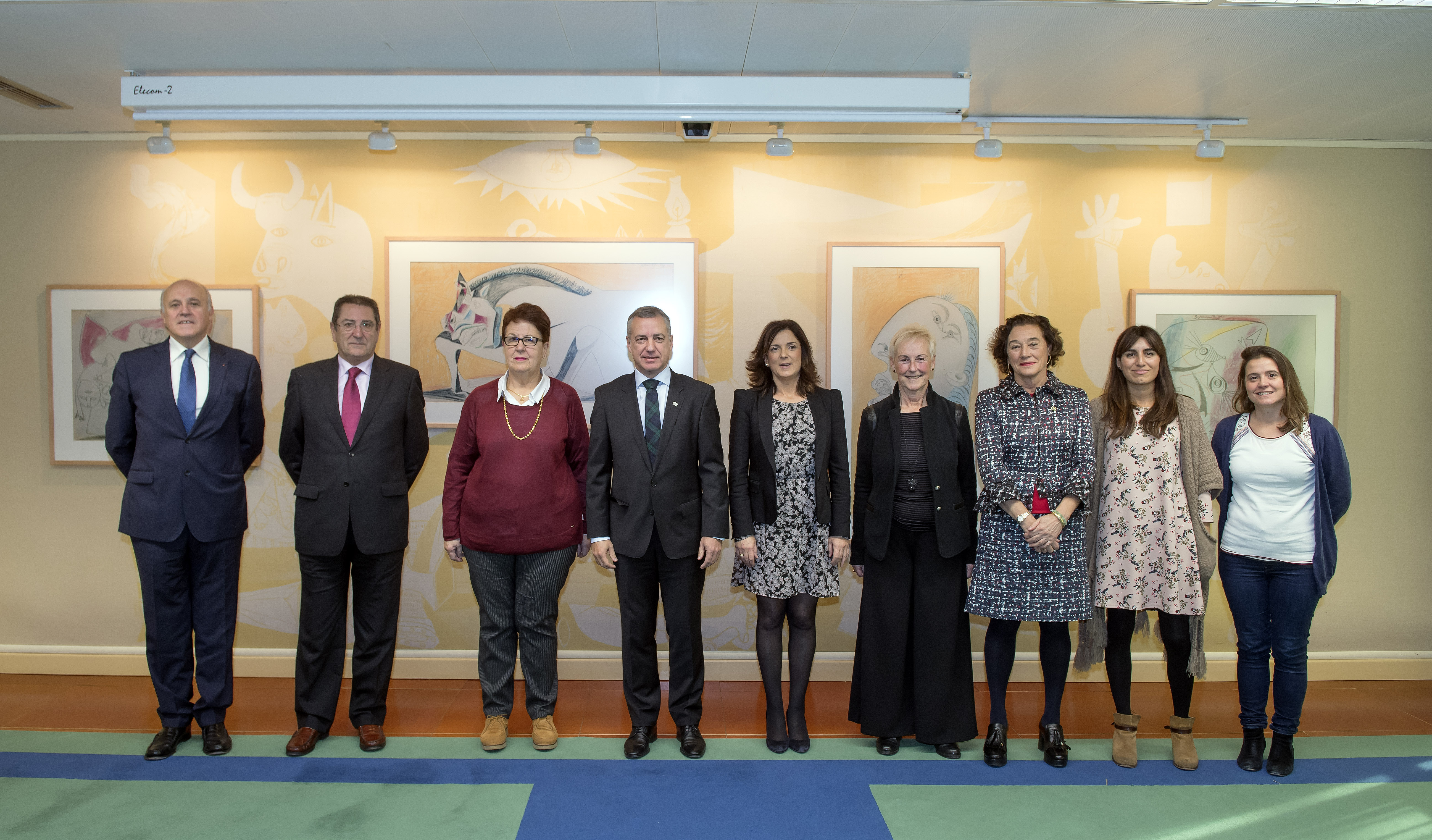 El Lehendakari ha recibido a responsables del Teléfono de la Esperanza de Gipuzkoa