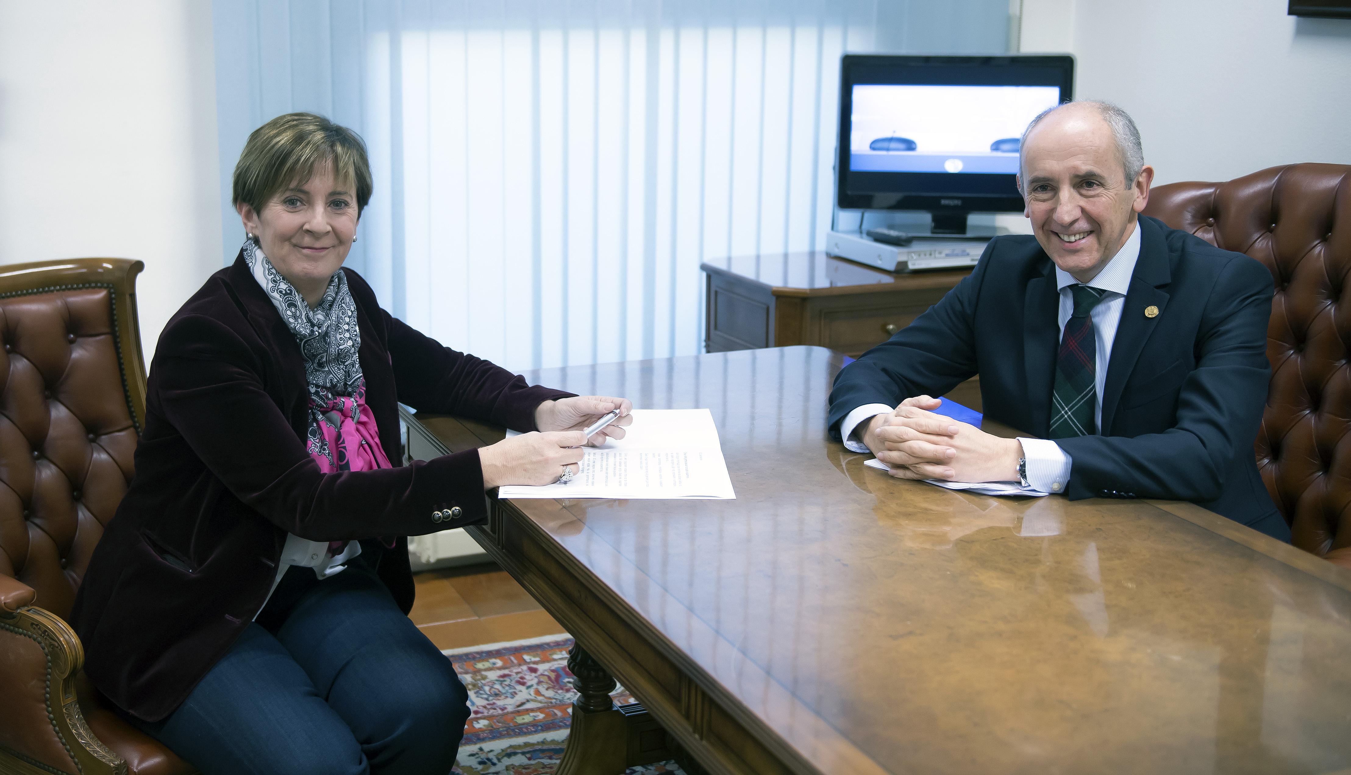 """El Gobierno vasco aprueba la """"OPE 2017"""" con 4.583 plazas de empleo público para el conjunto de la Administración Vasca"""