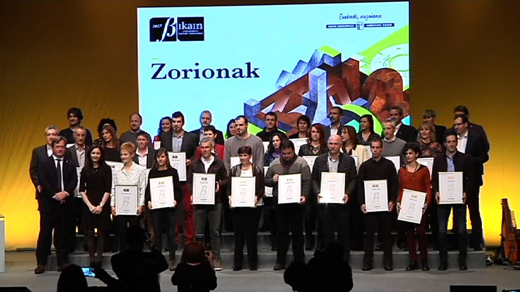El Gobierno Vasco ha entregado a 35 entidades del Certificado en la Gestión Lingüística Bikain, en el Palacio Euskalduna de Bilbao
