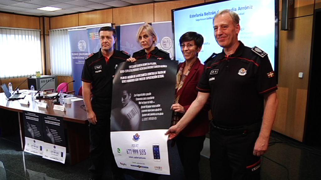 La Ertzaintza diseña un plan de acción para acercarse a  las víctimas de trata de seres humanos, generar confianza y prevenir el delito