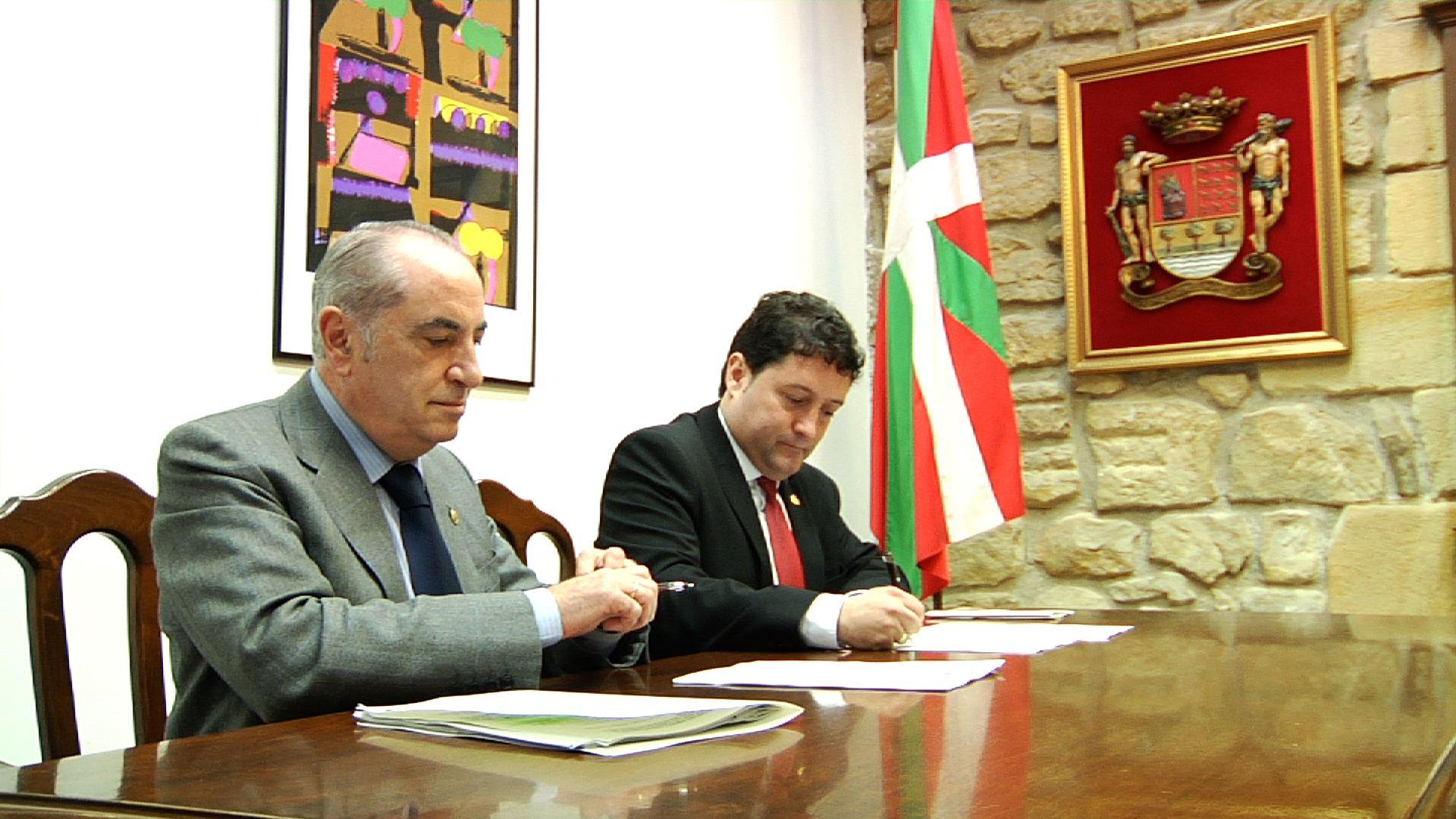 El Departamento de Vivienda y el Ayuntamiento de Zarautz acuerdan la construcción de 60 viviendas de alquiler preferentemente para jóvenes
