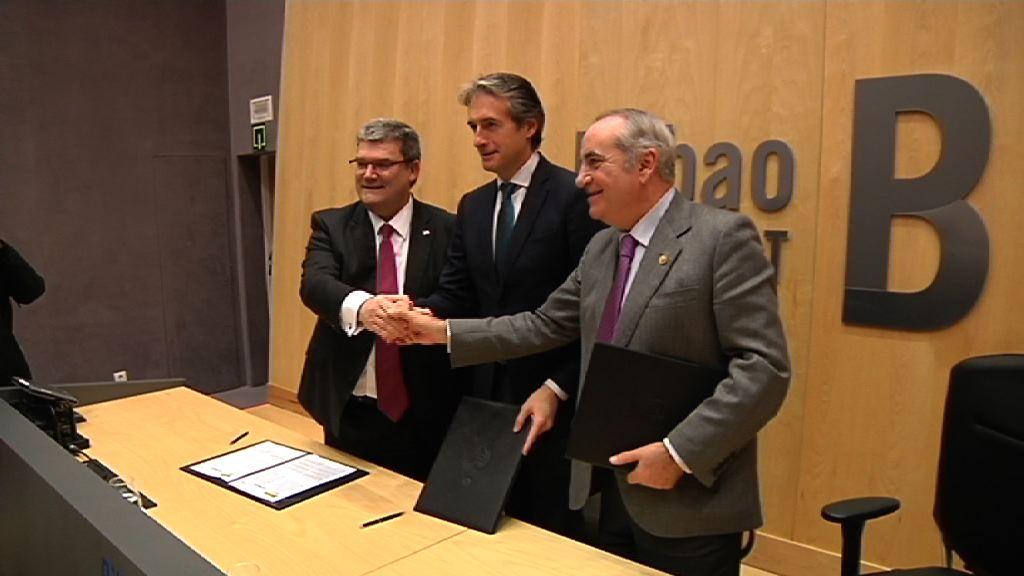 Firma del convenio para la articulación de rellenos en el Canal de Deusto para la posterior aportación del suelo resultante al desarrollo urbanístico de Zorrotzaurre