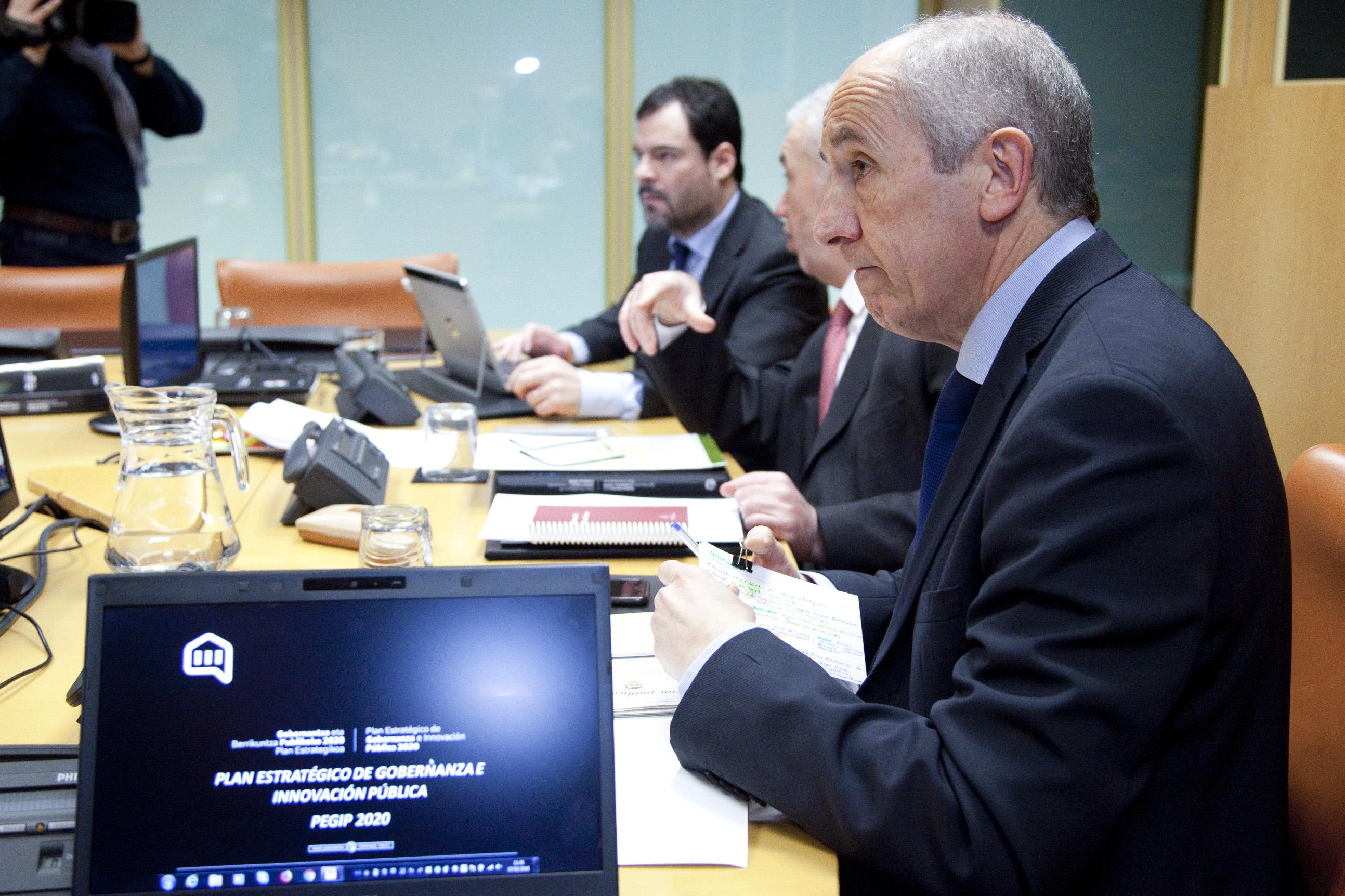comision_instituciones_10.jpg
