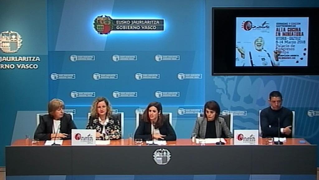 TURISMO ETA OSTALARITZAKO ZUZENDARI MAIDER ETXEBARRIAK MINIATURE CONGRESS-AREN BOSGARREN EDIZIOA AURKEZTU DU