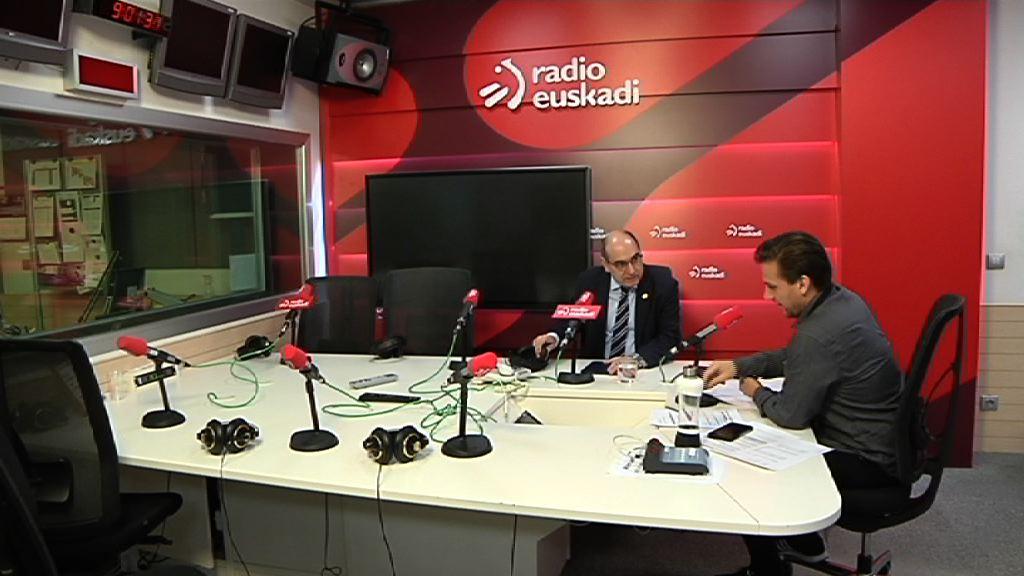 Darpón sailburuari elkarrizketa Radio Euskadin