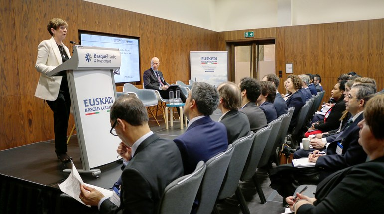 Las empresas ferroviarias vascas trabajan para exportar sus servicios al mercado internacional y hacerse con nuevos proyectos en el Reino Unido