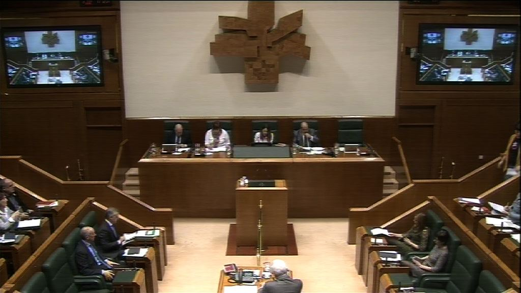 Pregunta formulada por D.ª Oihana Etxebarrieta Legrand, parlamentaria del grupo EH Bildu, al Lehendakari, relativa a las declaraciones realizadas por el presidente de Confebask Roberto Larrañaga