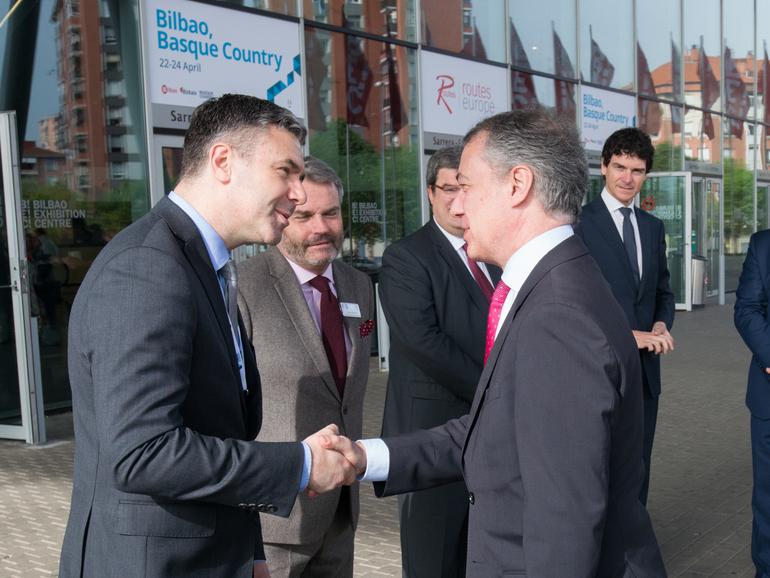 El Lehendakari reivindica la competencia de aeropuertos en la inauguración del congreso internacional sobre conectividad aérea Routes Europe 2018