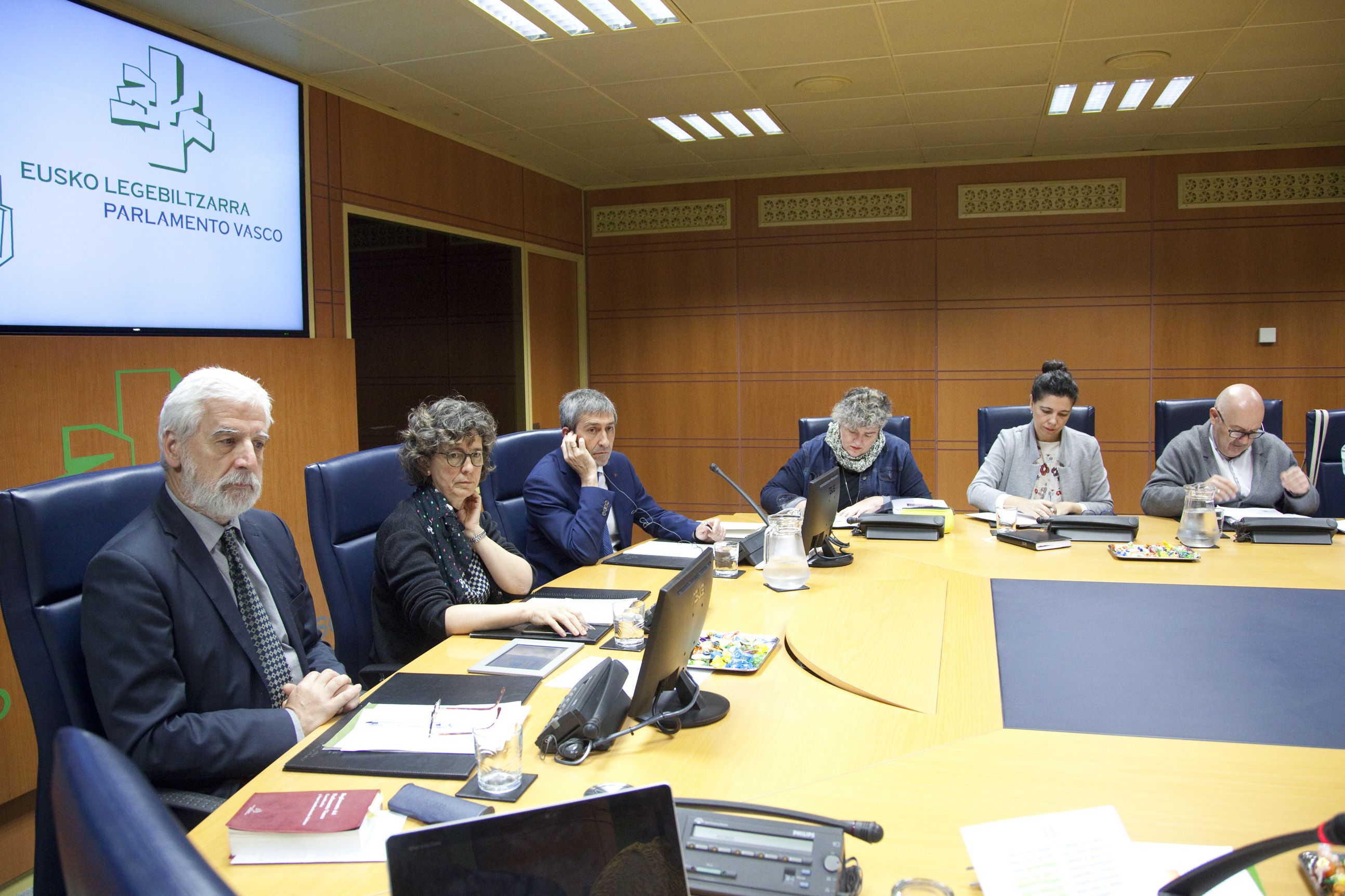 """Ernesto Sainz: """"Consolidamos el servicio Berdindu! que permite un fuerte impulso a las políticas LGTBI"""""""