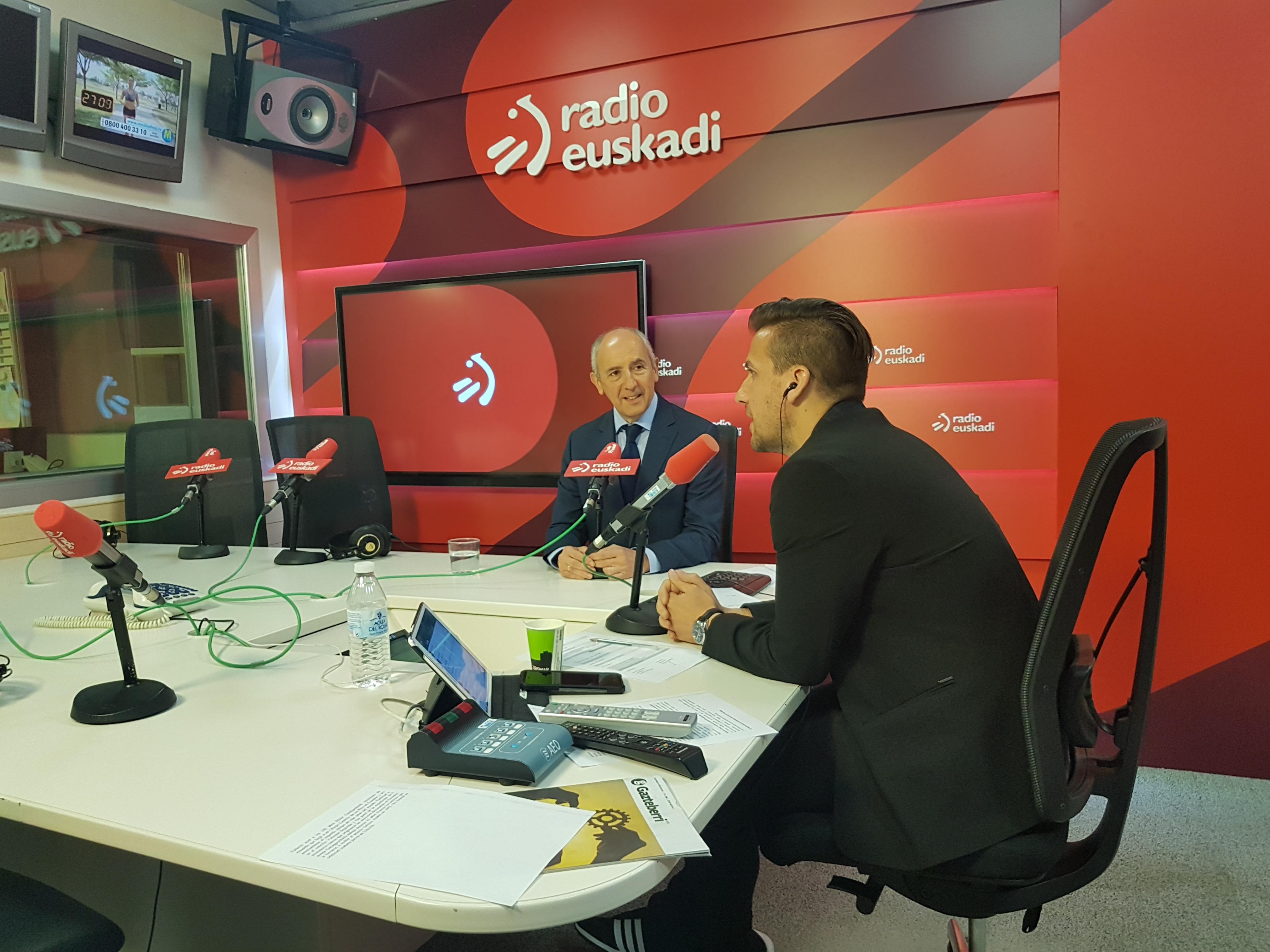 Entrevista a Josu Erkoreka en Radio Euskadi
