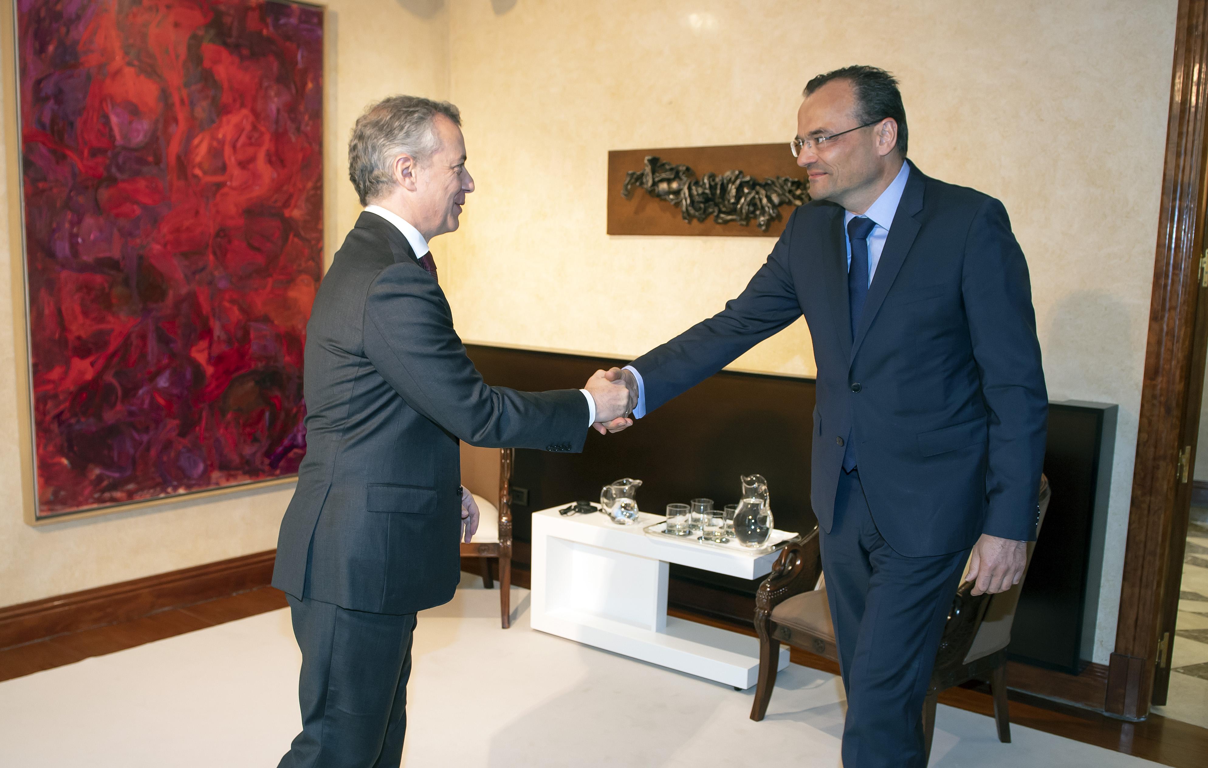 Siemens Gamesa y el Gobierno Vasco firman un acuerdo de intenciones para impulsar la competitividad de la industria eólica vasca
