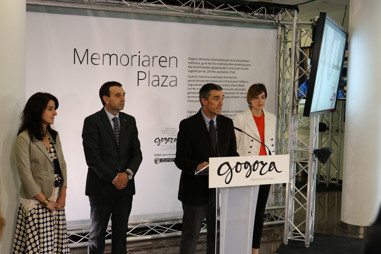 jonan_memoriaren_plaza_02.jpg