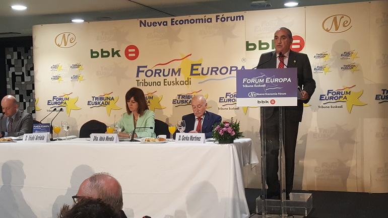 El consejero Arriola analiza los aspectos más relevantes de la política de vivienda en el 'Forum Europa. Tribuna Euskadi'