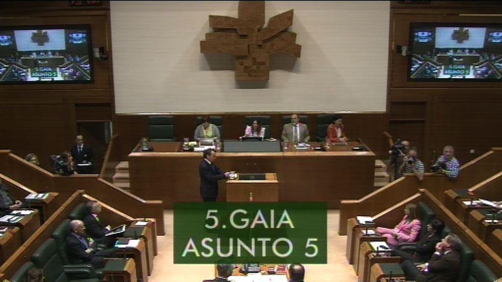Larraitz Barriok Espainiako Gobernuan izan diren aldaketek zabaldu ditzaketen eszenatokien buruz galdetu dio Lehendakariari