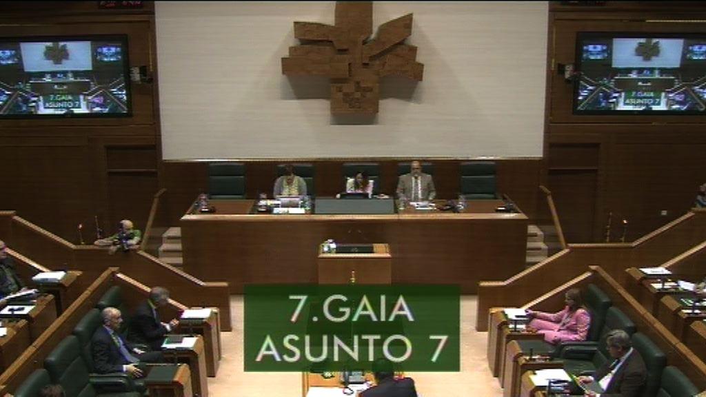Carmelo Barriok Etxebarrieta terroristari egindako omenaldiari buruz galdetu dio Lehendakariari