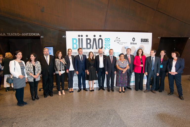 """El Lehendakari inaugura la Conferencia del Consejo de Municipios y Regiones de Europa -CMRE- bajo el lema """"Las diferencias nos unen"""""""