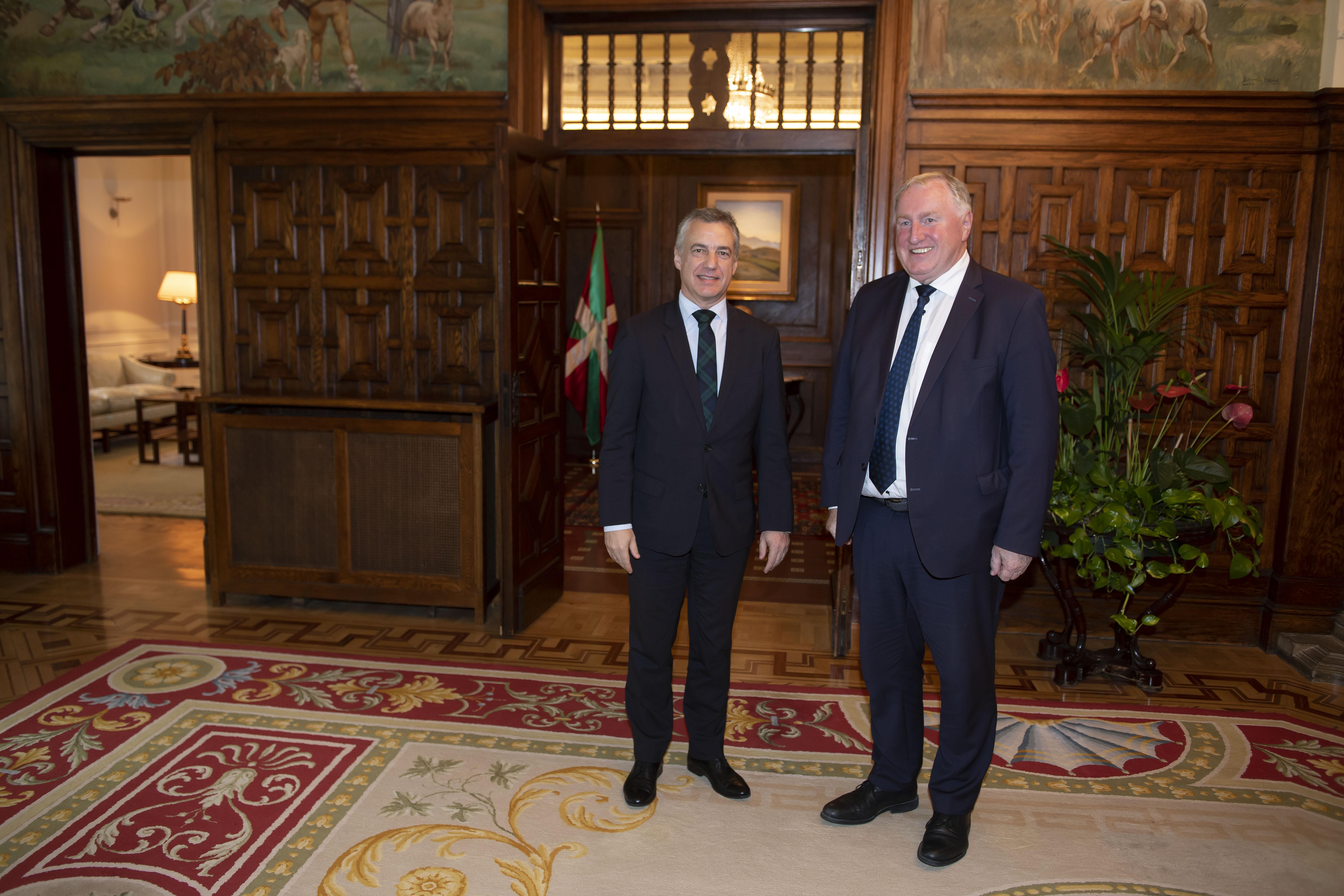 El Lehendakari se reúnecon el Presidente del Comité Europeo de las Regiones