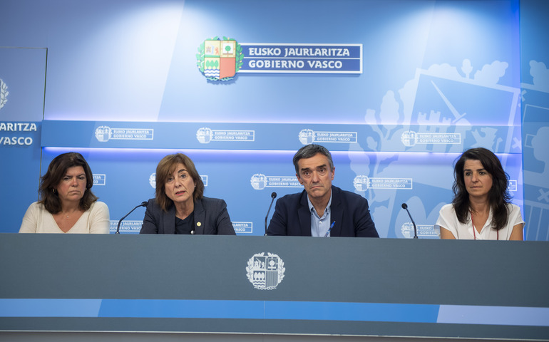 """El Gobierno Vasco presenta el programa educativo """"herenegun!"""" sobre la  memoria reciente de 900aae64fd411"""