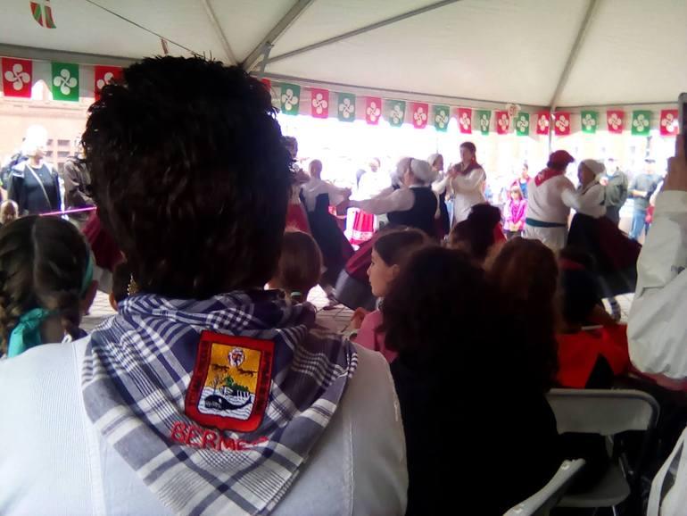 New England-eko Basque Festival-a: Jai Alaien hazietatik, New Londoneko kaleetara.