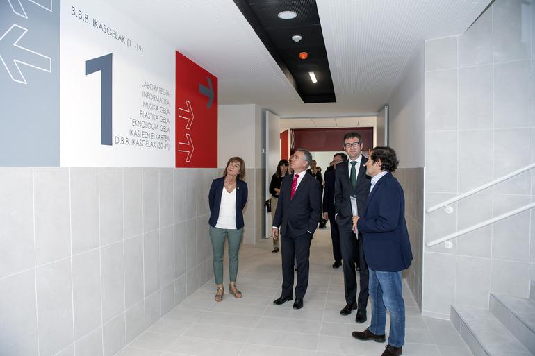 El Lehendakari visita el nuevo edificio del Instituto Zabalgana, en Vitoria-Gasteiz