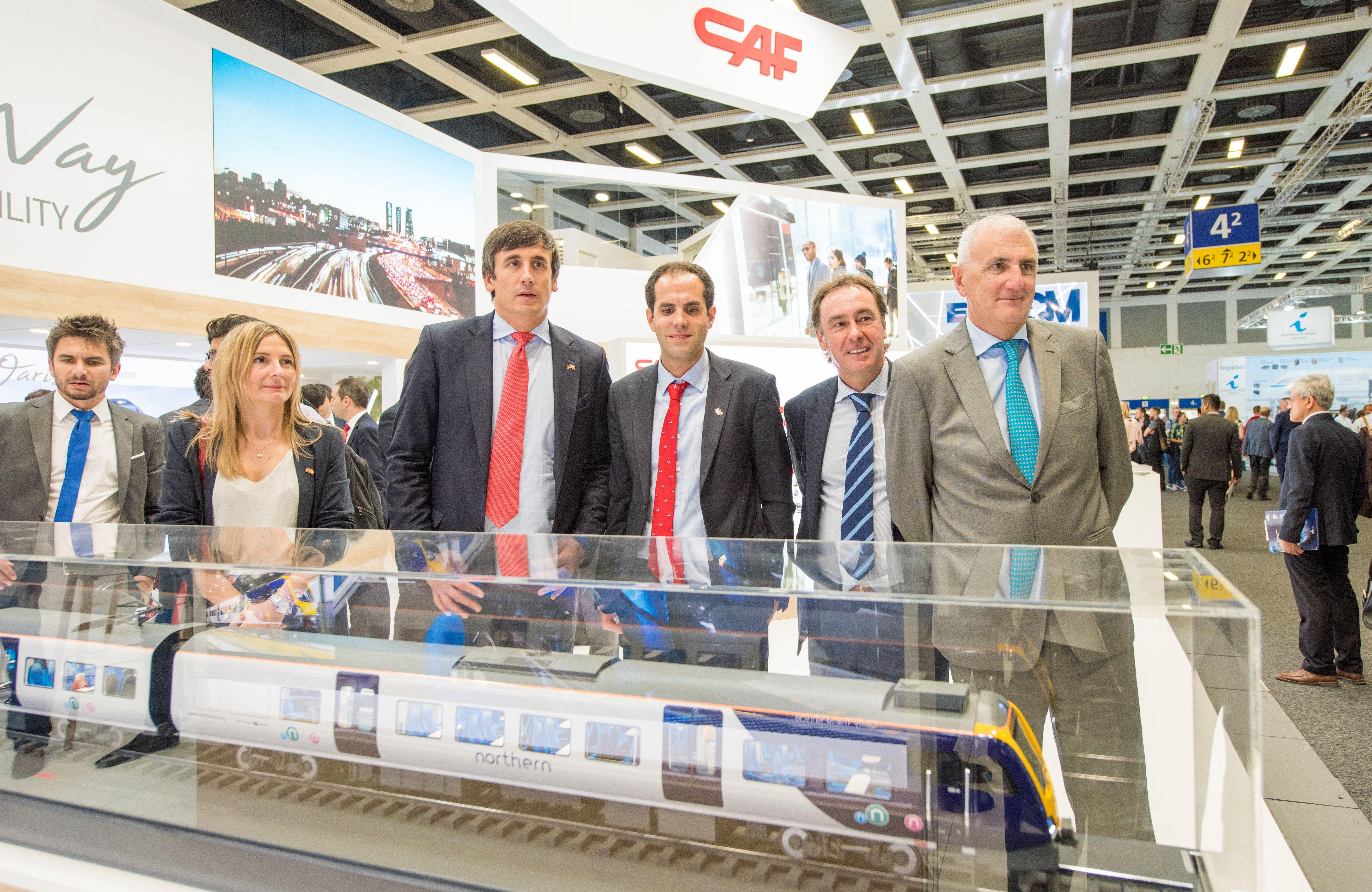 Euskadi presenta tecnología ferroviaria innovadora en la feria Innotrans de Berlín