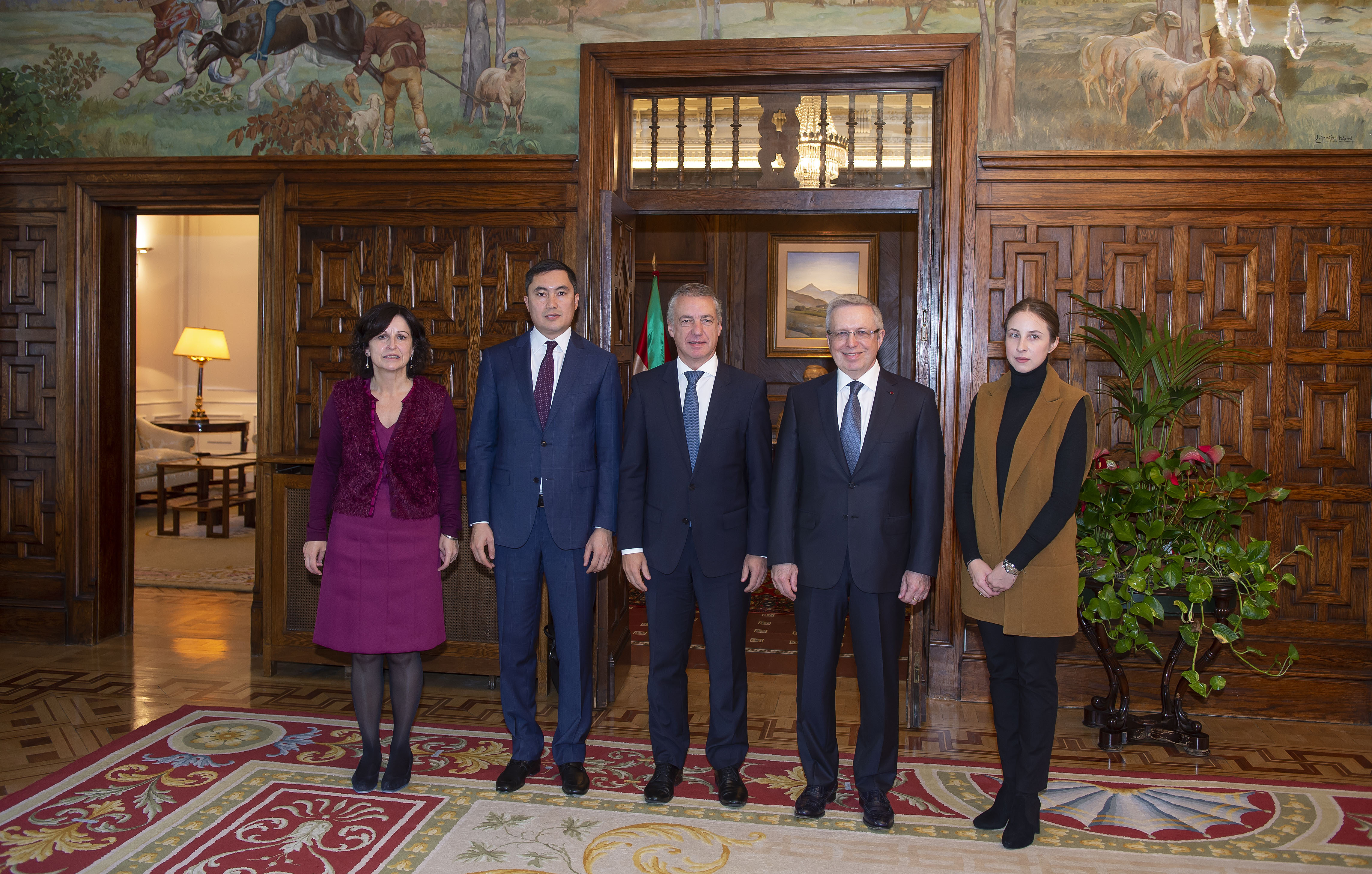 2018_10_24_lhk_embajador_kazajstan_13.jpg