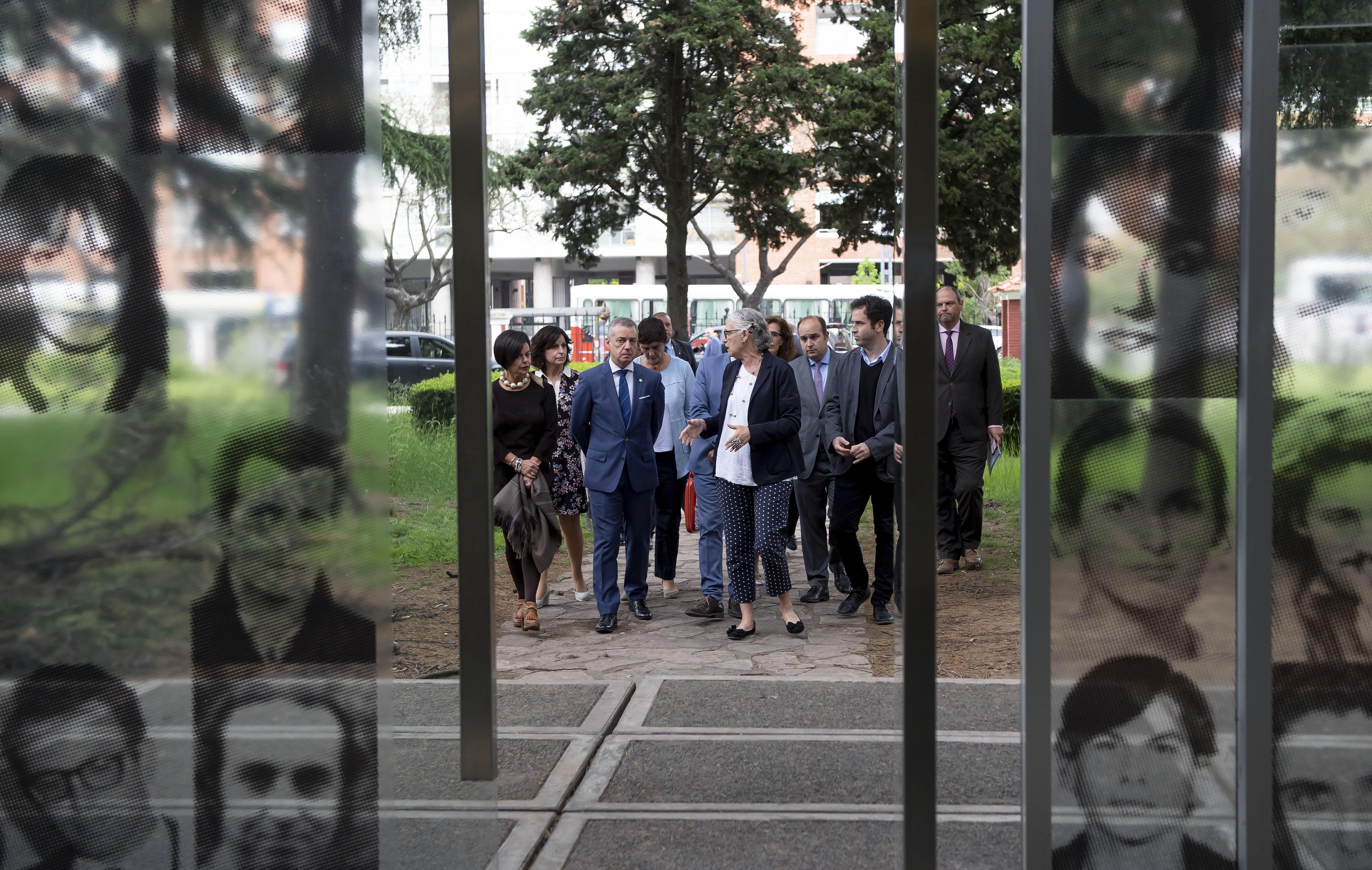 El Lehendakari sugiere crear una red internacional de Centros de Memoria para dar una proyección universal a los Derechos Humanos