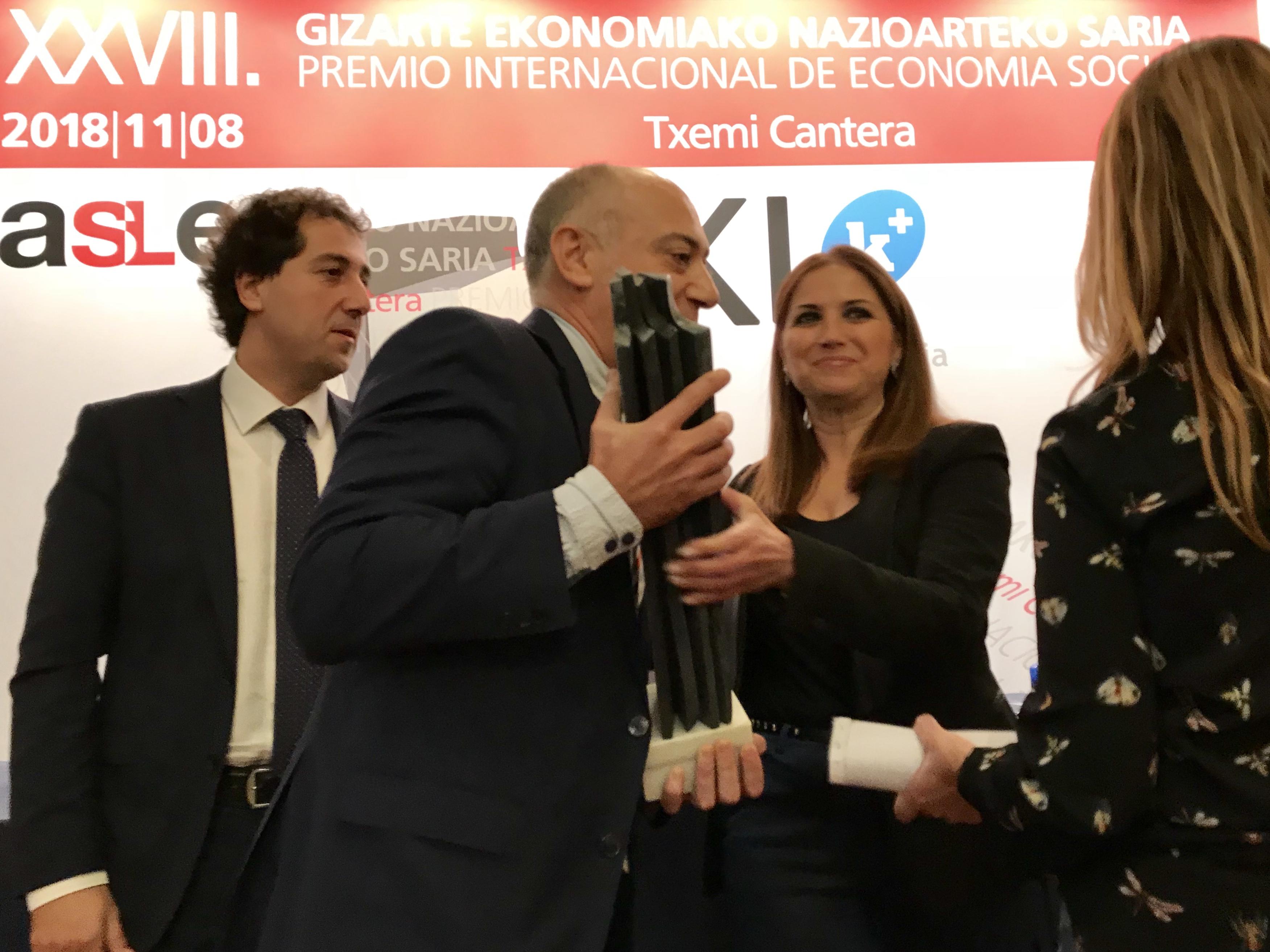 """Premio """"Txemi Cantera"""" a Katealegaia"""