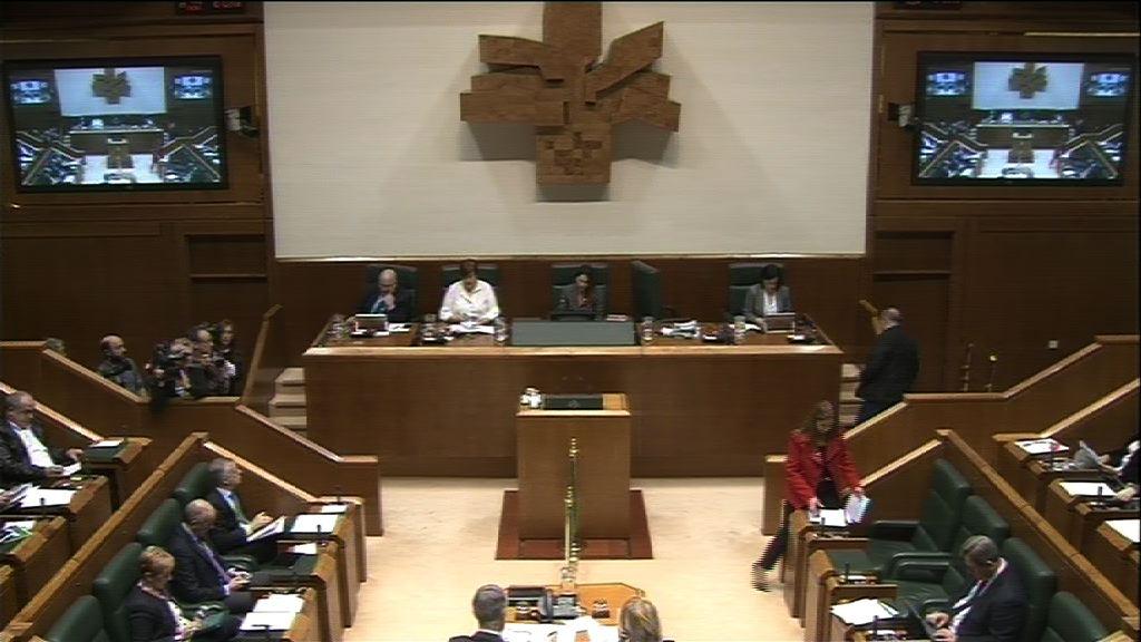 Pregunta formulada por D. Borja Sémper Pascual, parlamentario del grupo Popular Vasco, al lehendakari, en relación al programa Herenegun