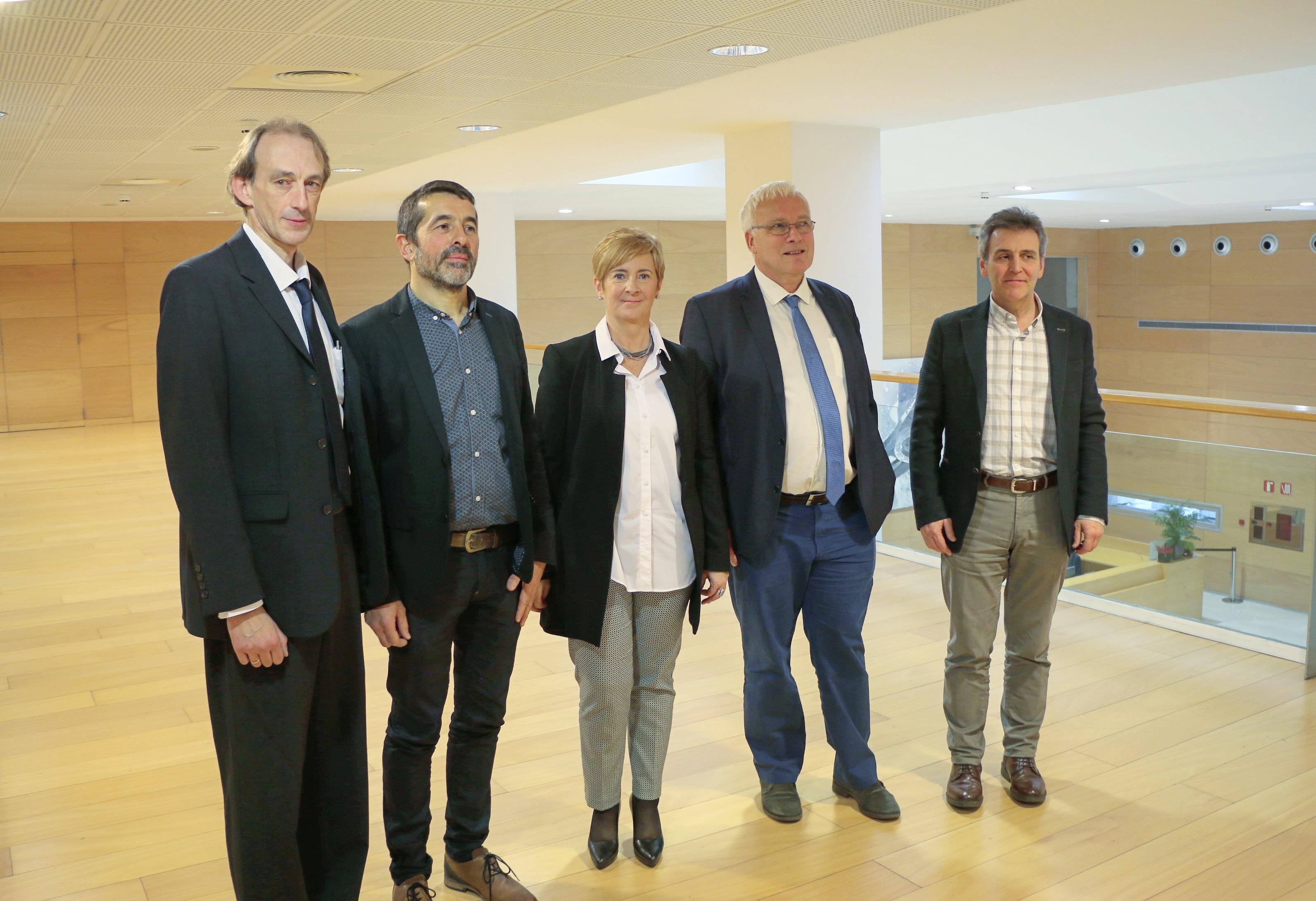 Tapiak Atlantikoko trenbide korridoreko funtsezko eragile gisa aurkeztu du Euskadi