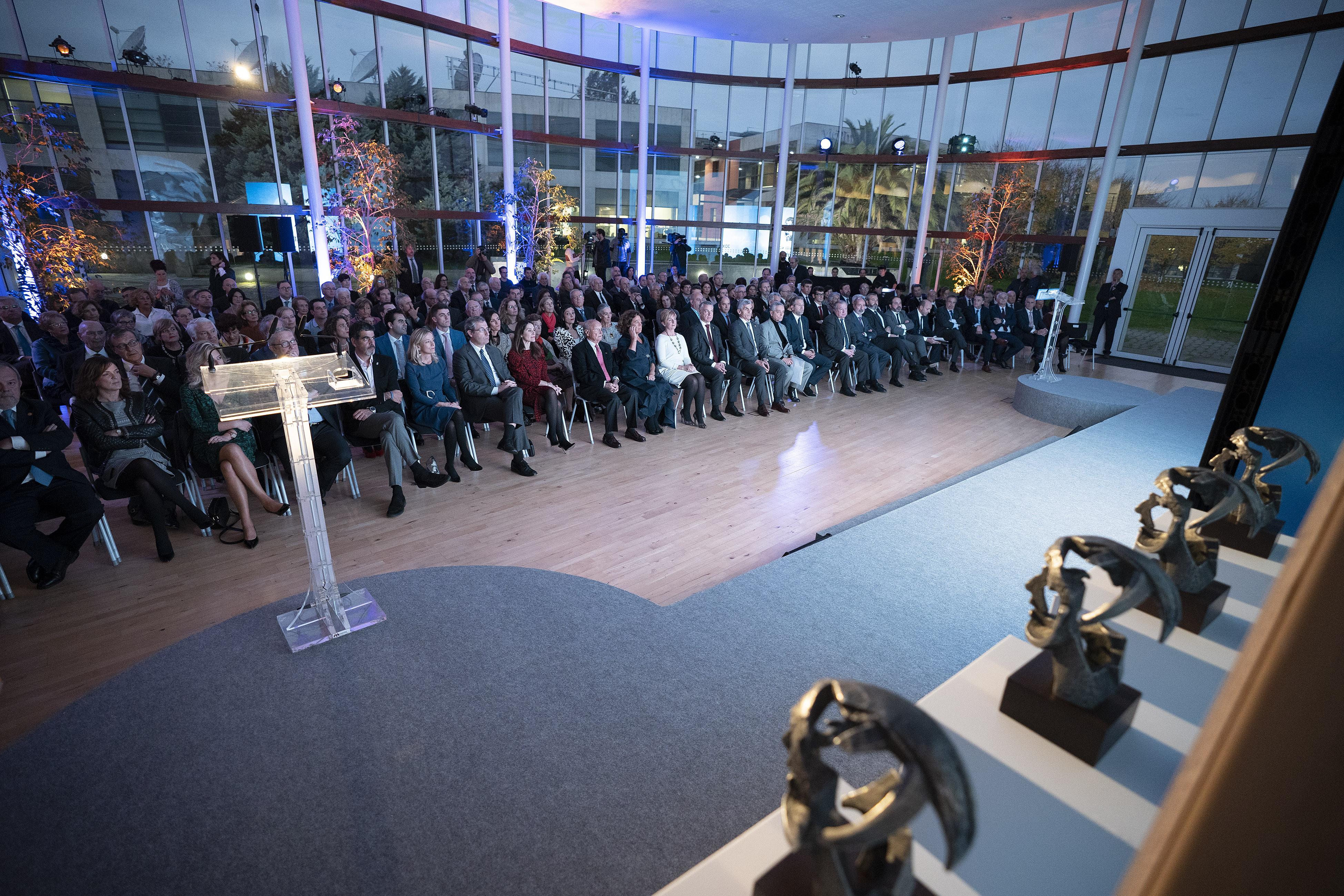 El Lehendakari aboga por la confianza en la inversión e innovación como factor de desarrollo futuro