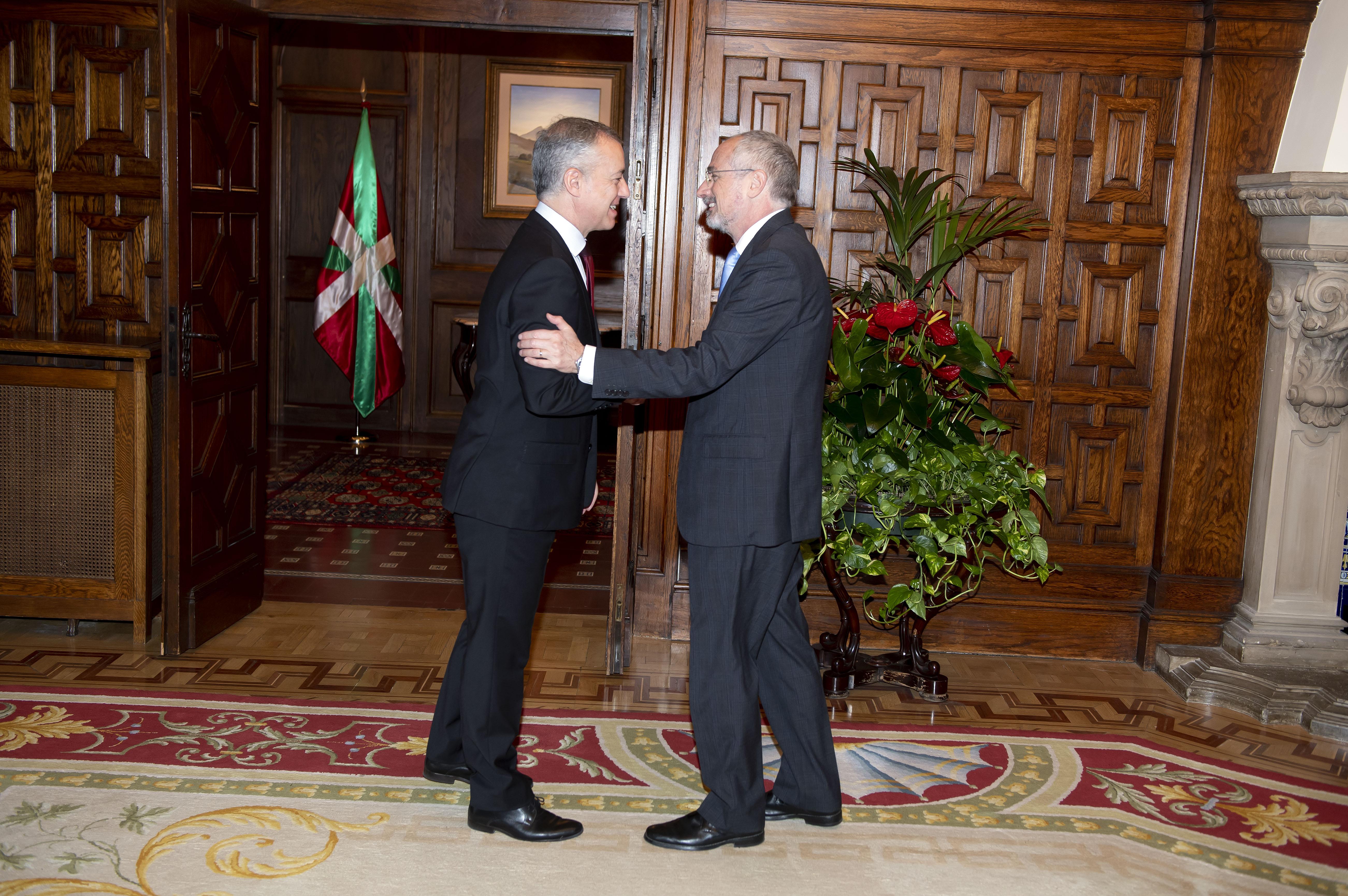 El Lehendakarirecibe al Embajador de Israel Daniel Kutner