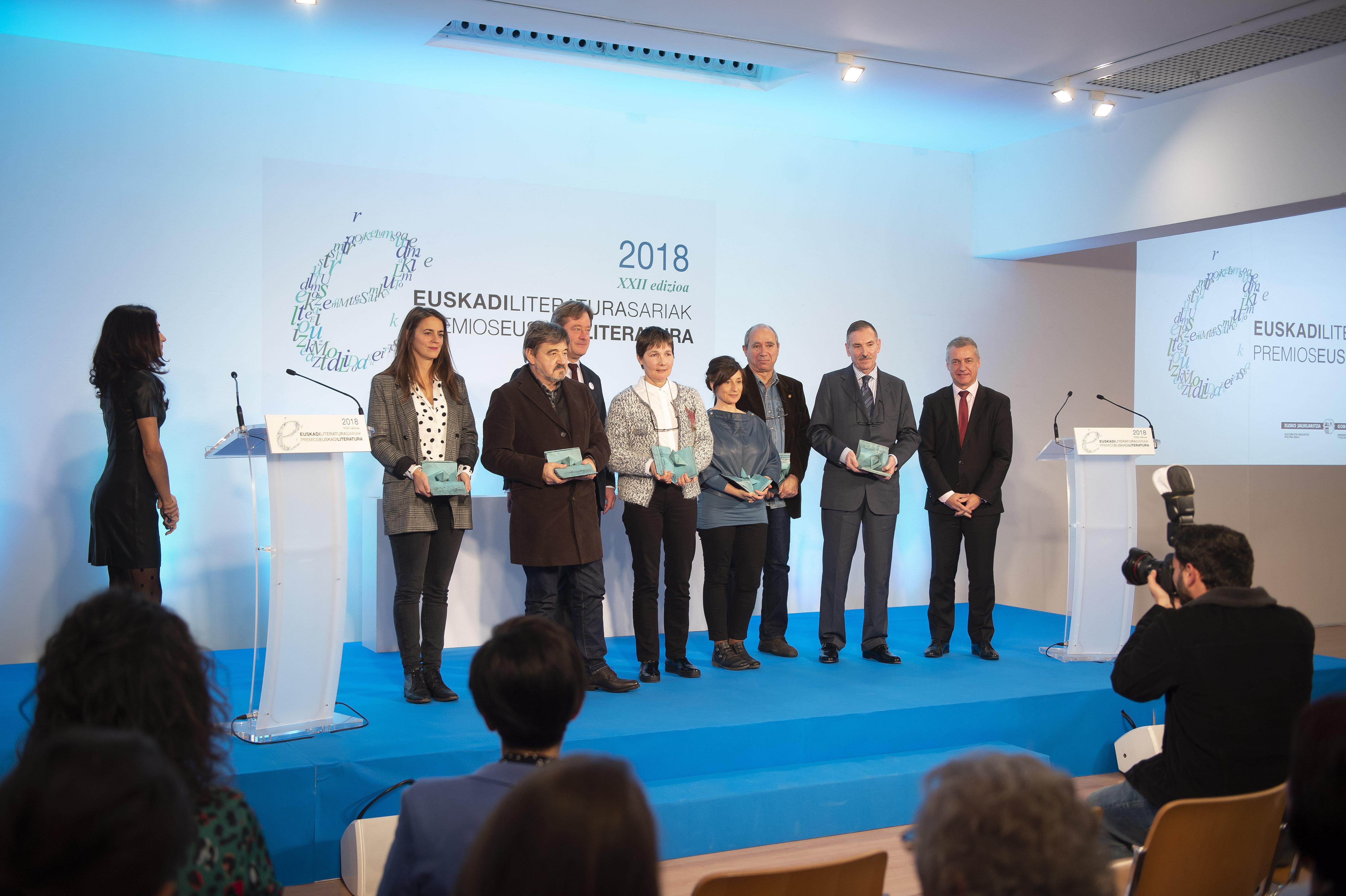 El Lehendakari Iñigo Urkullu ha presidido, en el Museo Artium de Vitoria-Gasteiz, la entrega de los premios Euskadi de Literatura