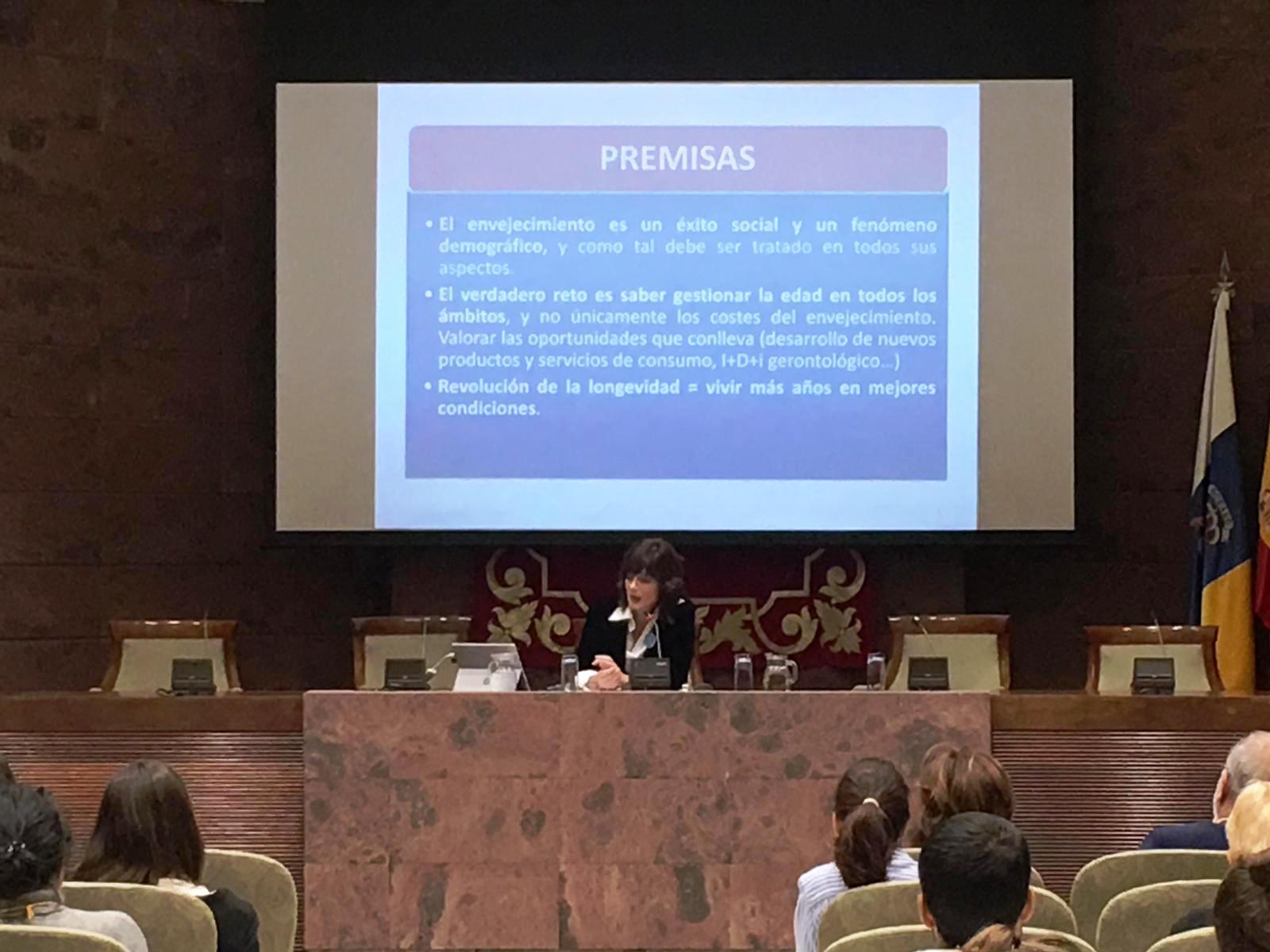 10_12_18_Amilibia_mayores_Tenerife_Parlamento__3_.JPG