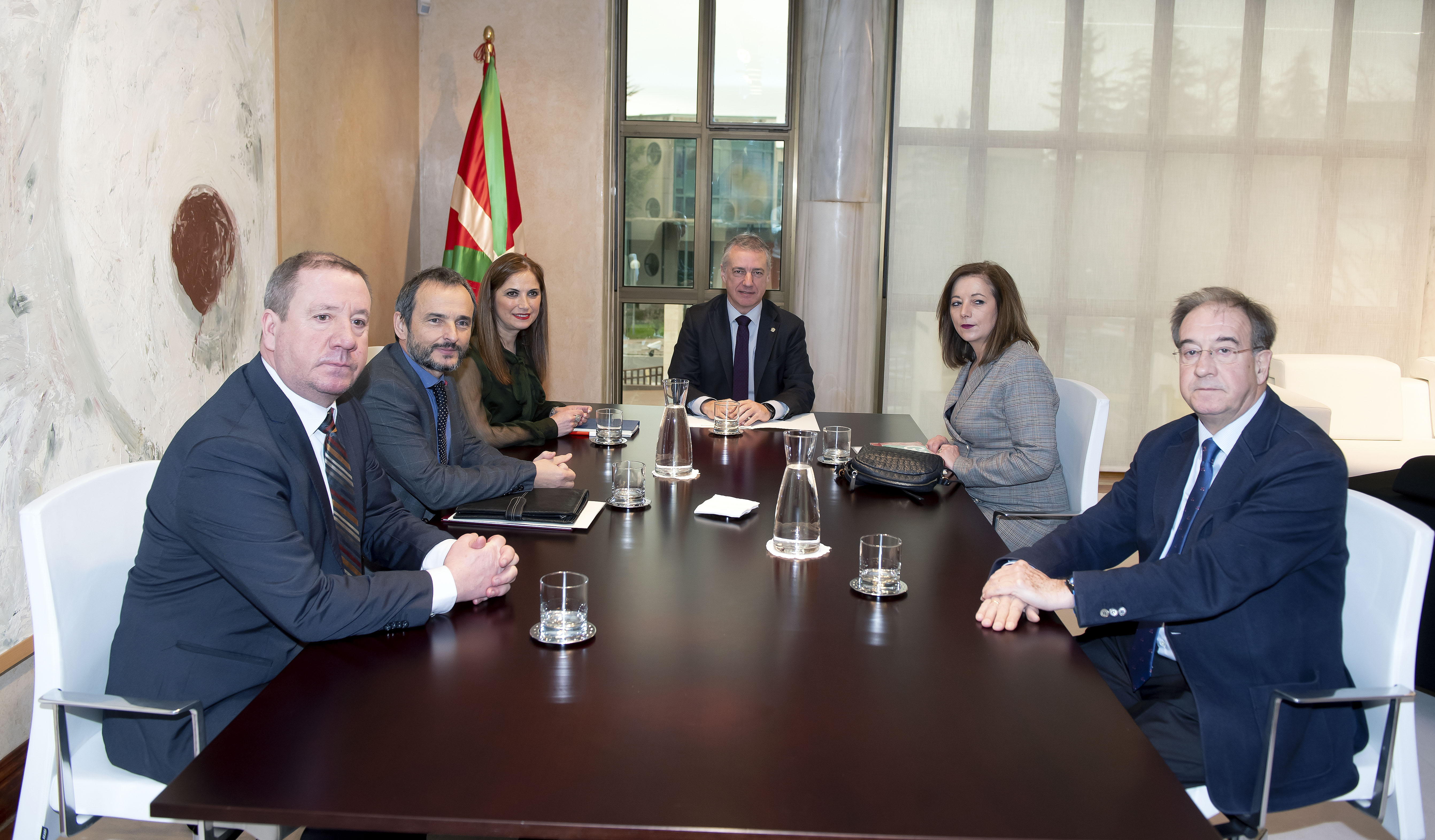 Lehendakariak Graduatu Sozialen Euskal Kontseiluaren kideak hartu ditu