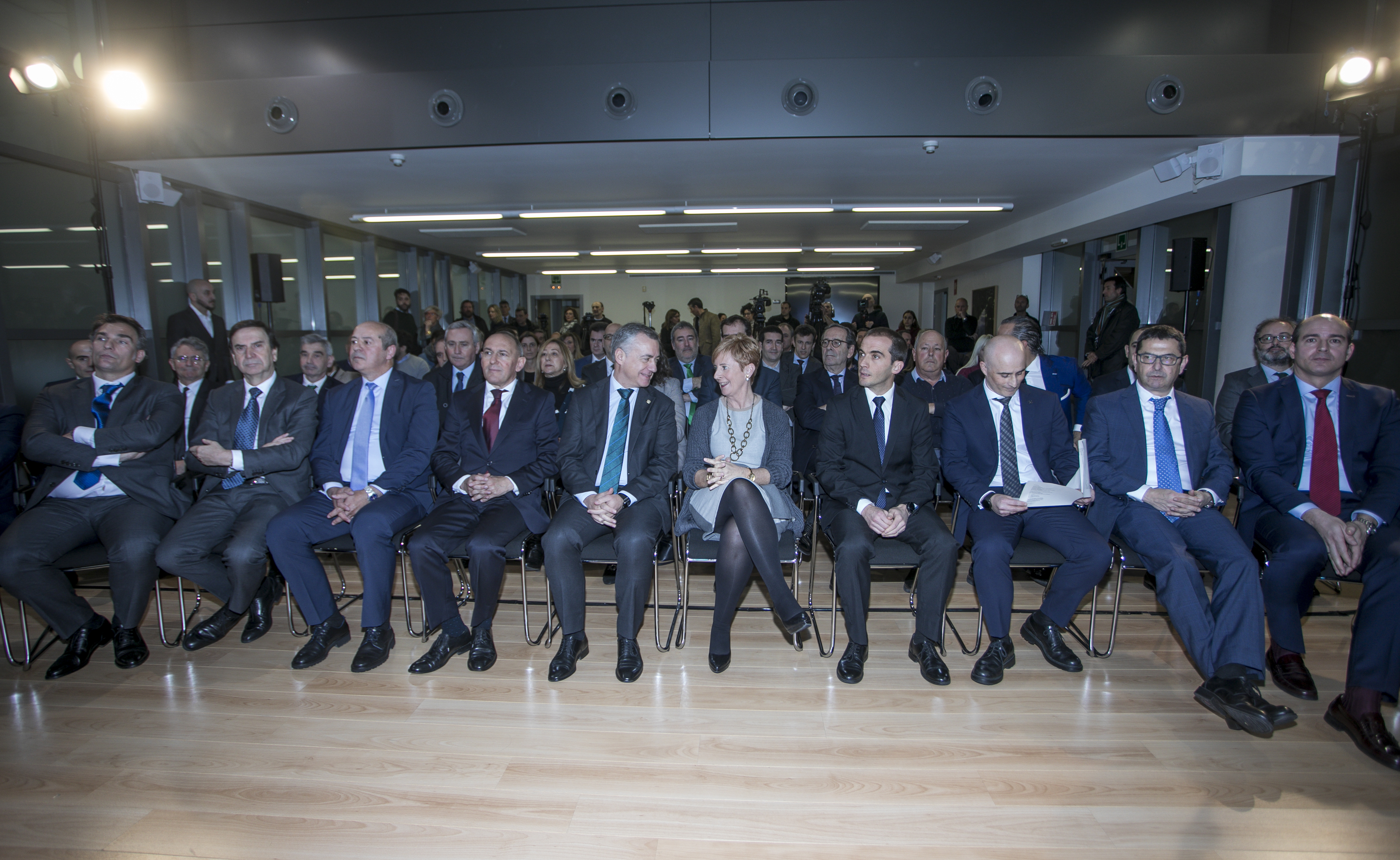 El Lehendakari plantea la necesidad de un Pacto de País por la transición energética